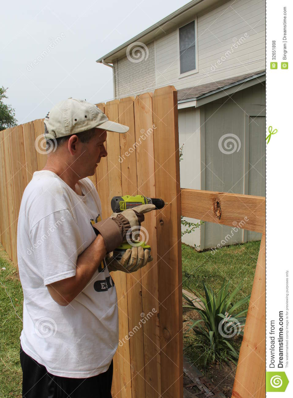 Building A New Fence Royalty Free Stock Photos Image