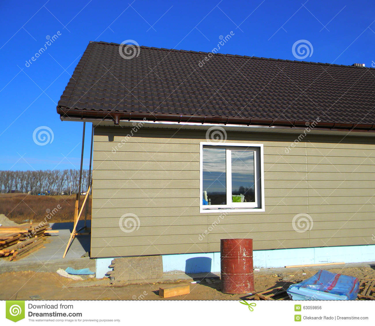 Building new house with plastic siding house wall roofing for House roof drain pipes