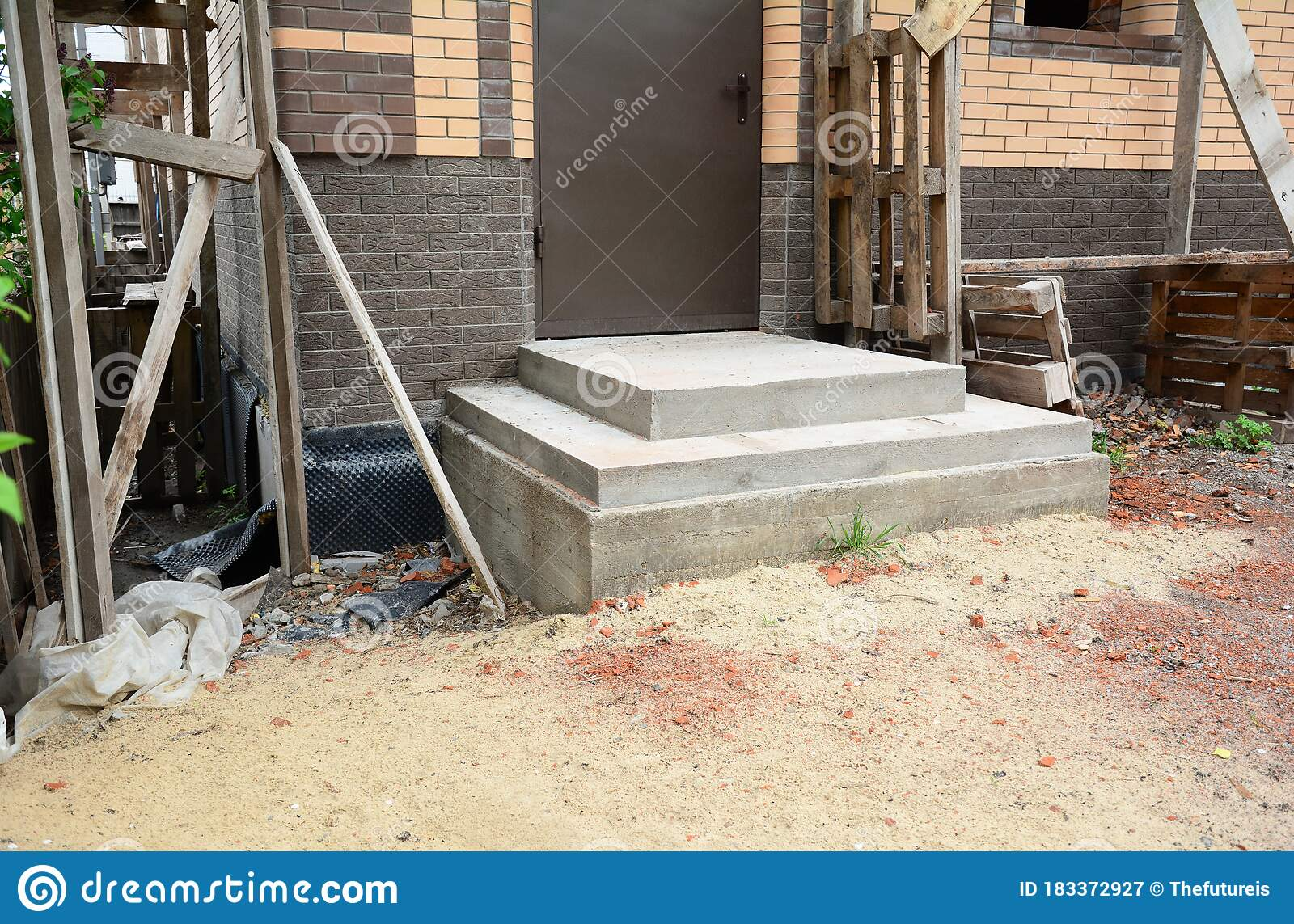 Building Poured Concrete Front Porch Steps To The Entrance Door Of A Brick House Under Construction Stock Image Image Of Entrance House 183372927