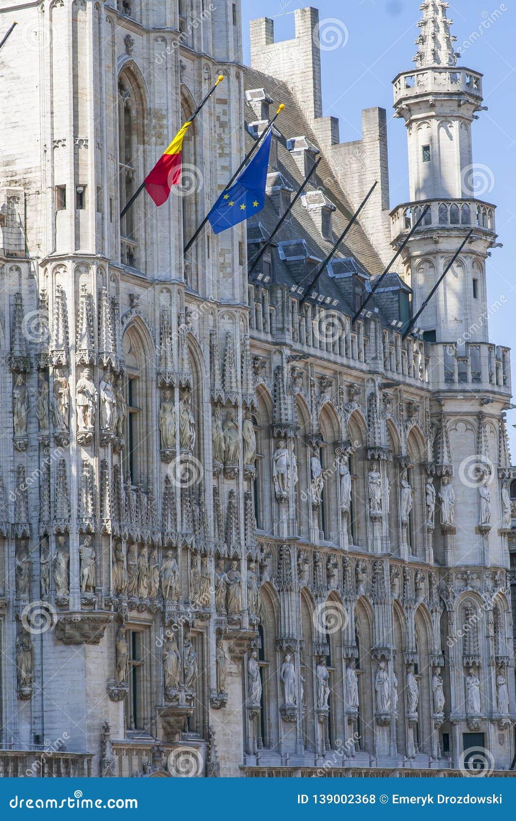 Meet girls in Bruxelles   Dating site   Topface