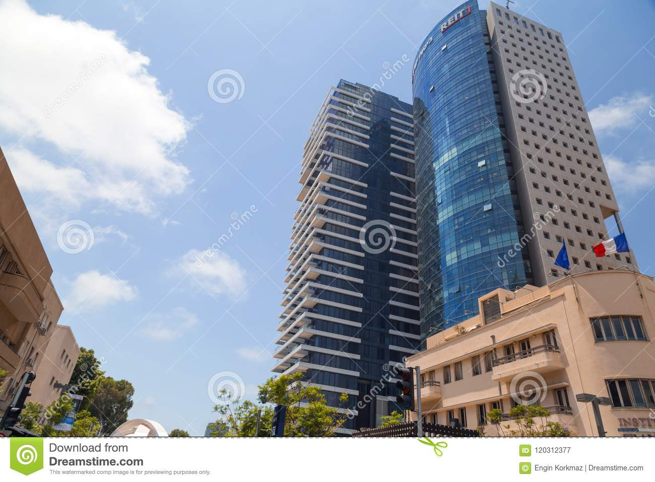 Buildings and people walking around at the famous Rothschild Bou