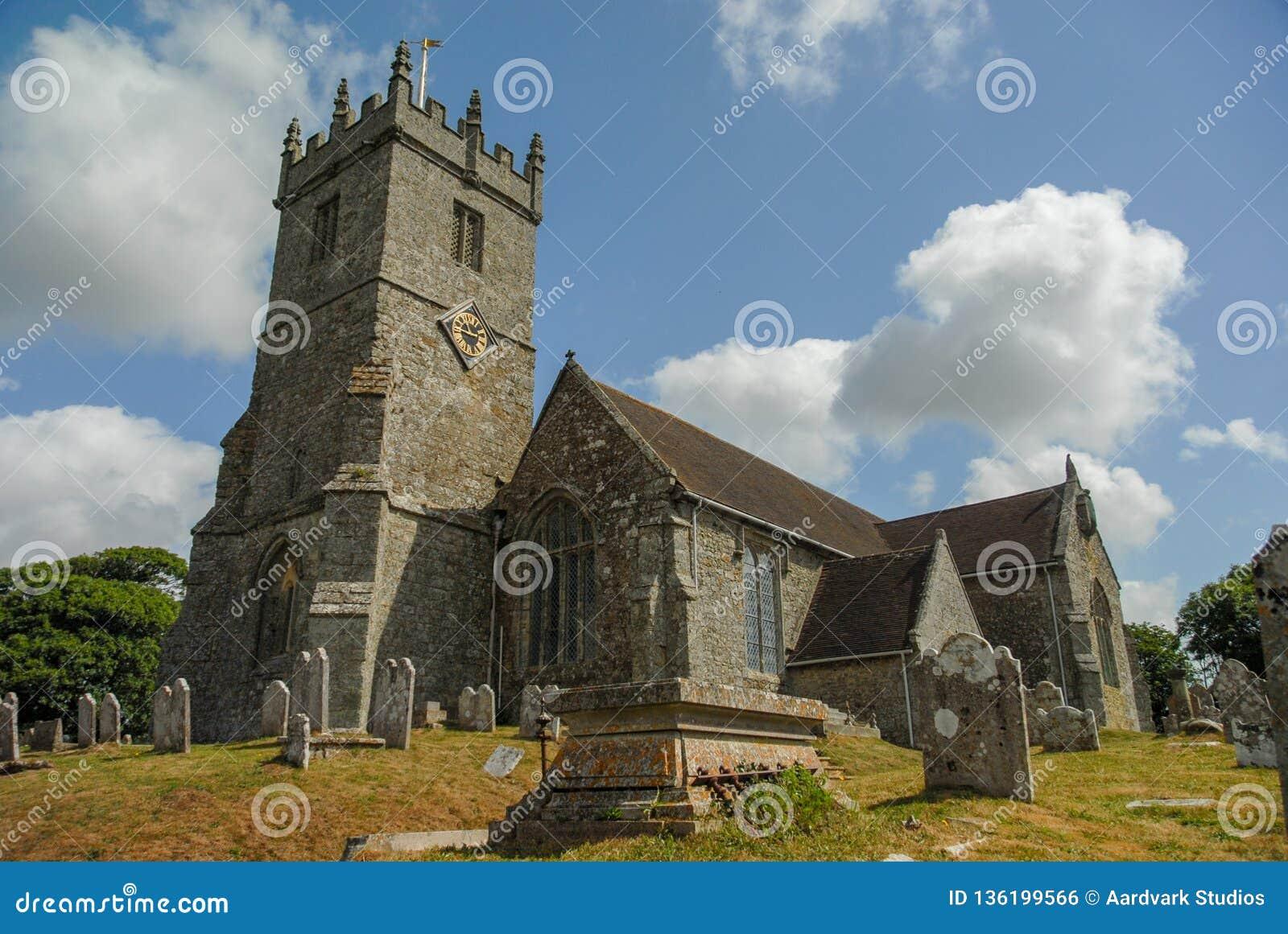 Builidng e cemitério da igreja em Kent Reino Unido
