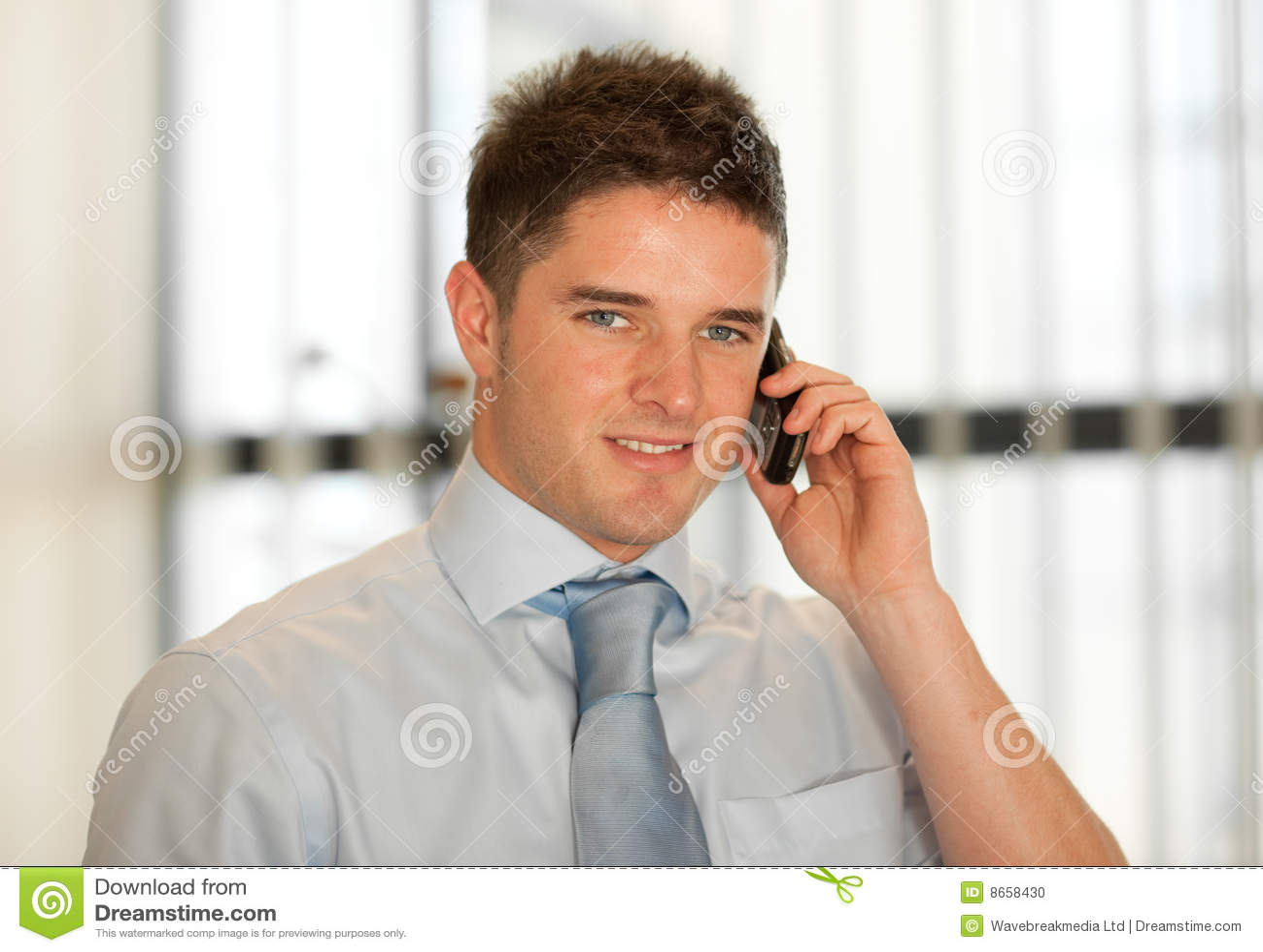 Buisnessman au téléphone