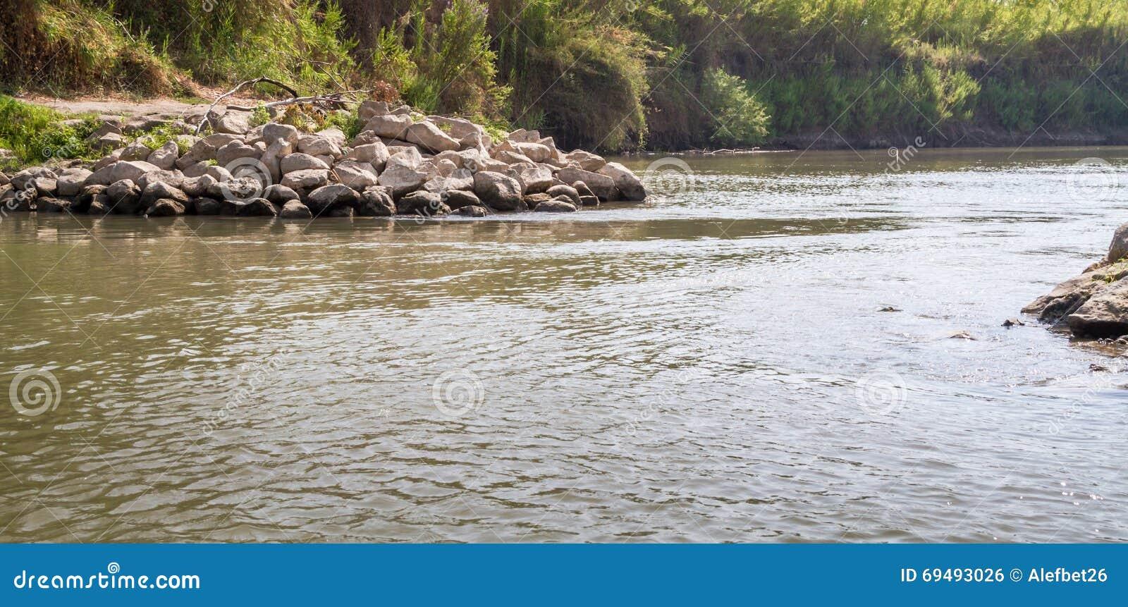 Buissons le long des banques, Jordan River