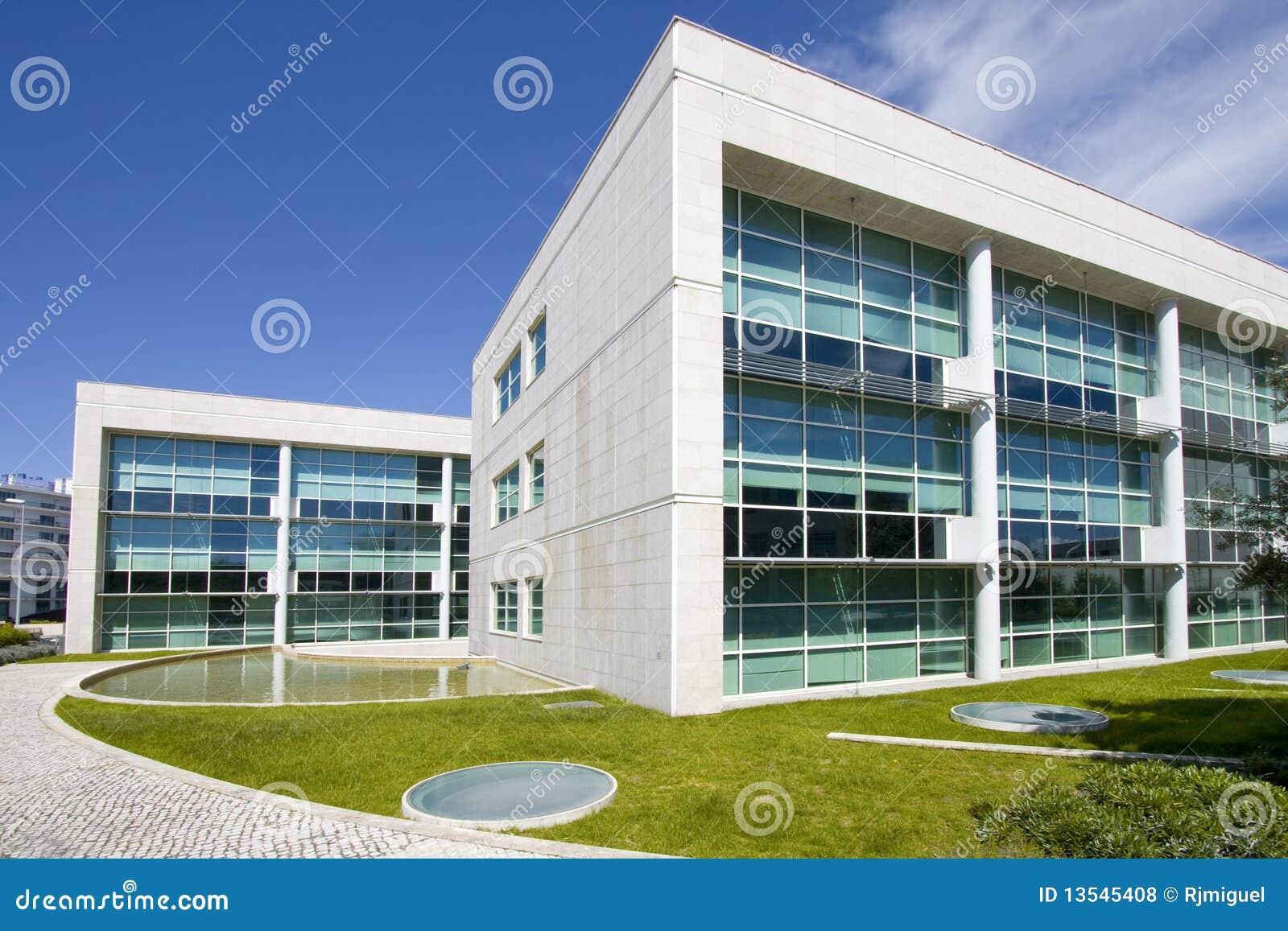 Buiten mening van gebouwen de van de binnenstad van het stadsbureau