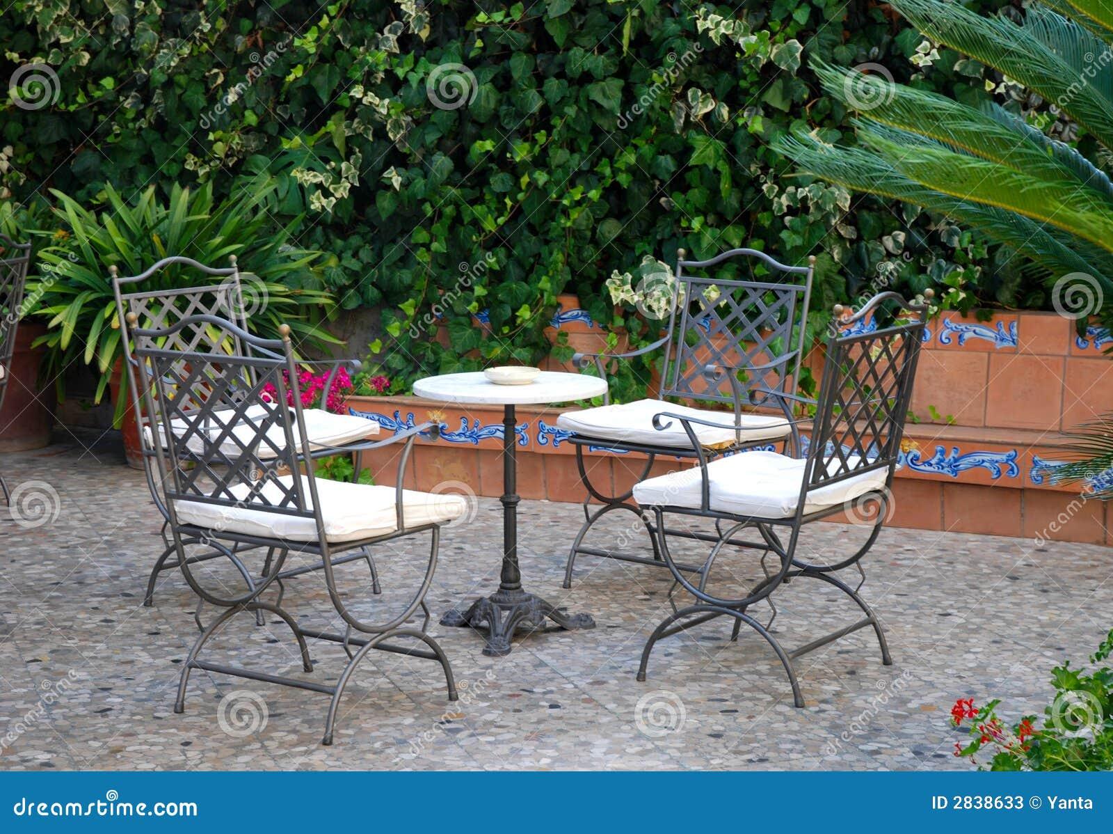 Buiten terras stock afbeelding afbeelding bestaande uit backyard