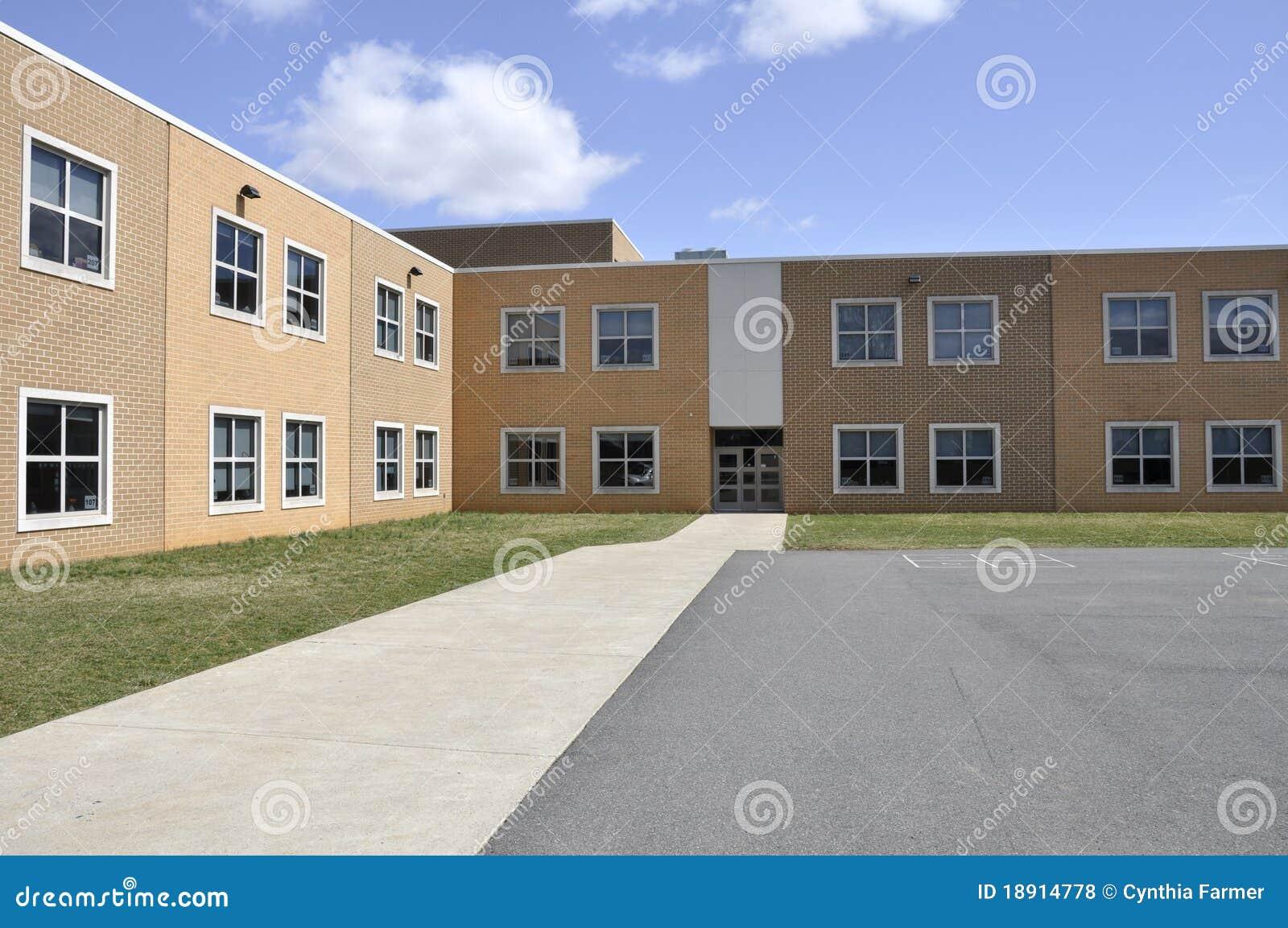 Buitenkant van een moderne basisschool stock foto afbeelding 18914778 - Moderne buitenkant indeling ...