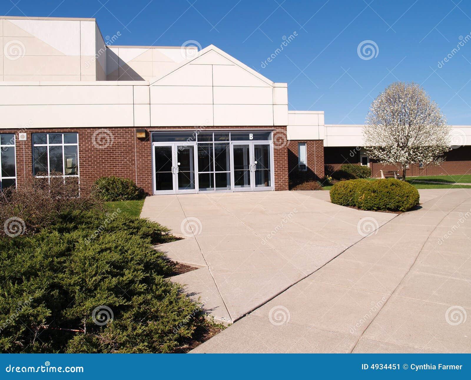 Buitenkant van een moderne school stock afbeelding afbeelding 4934451 - Moderne buitenkant indeling ...