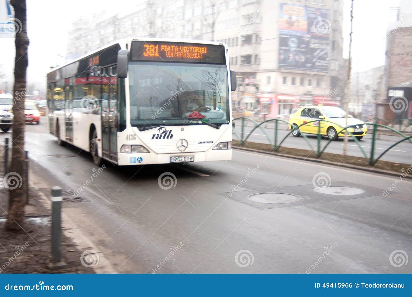 Download Bukarest-Busse redaktionelles foto. Bild von d0, europa - 49415966