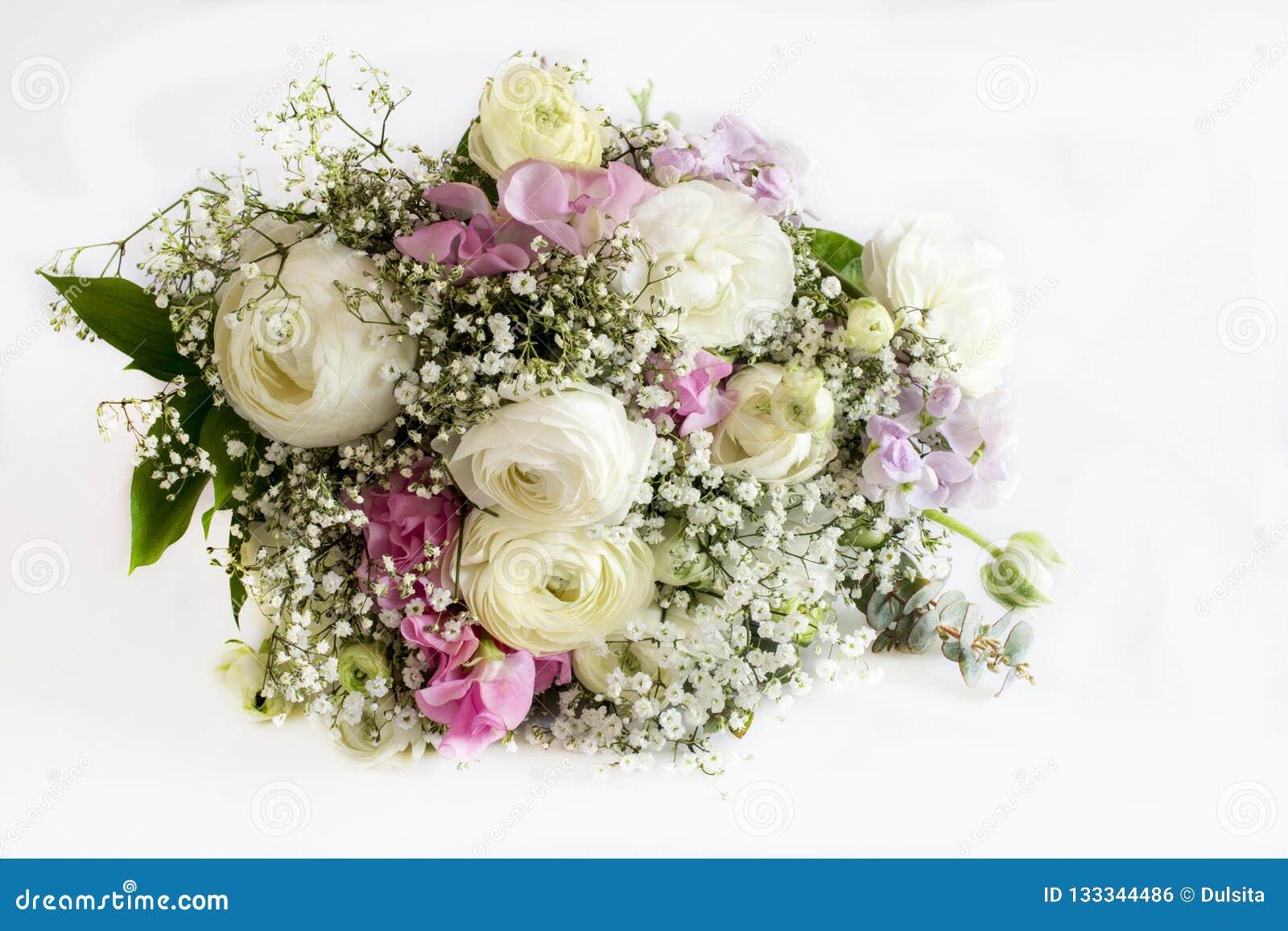 Bukett av omväxlande blommor
