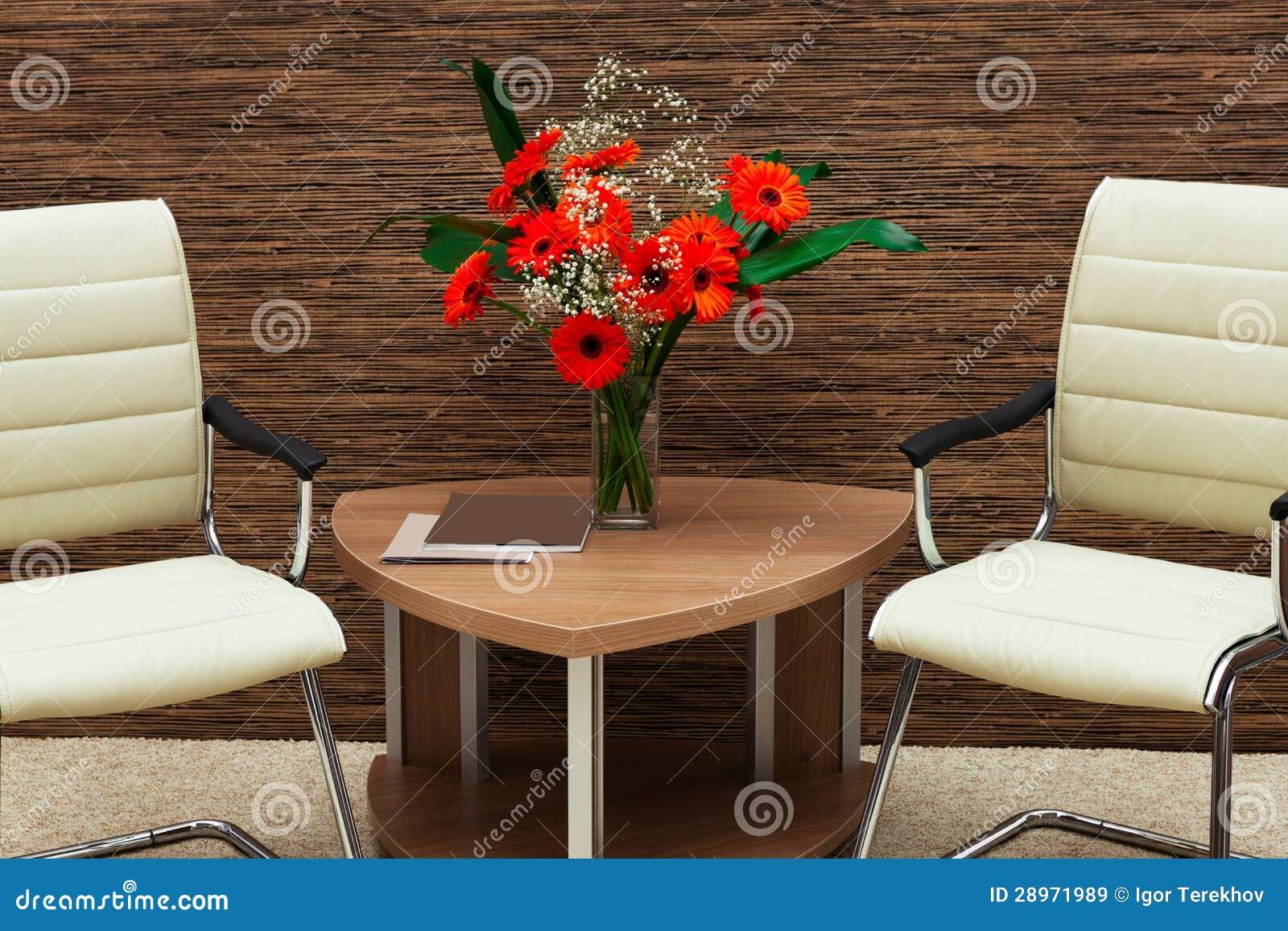 Bukiet kwiaty na stole