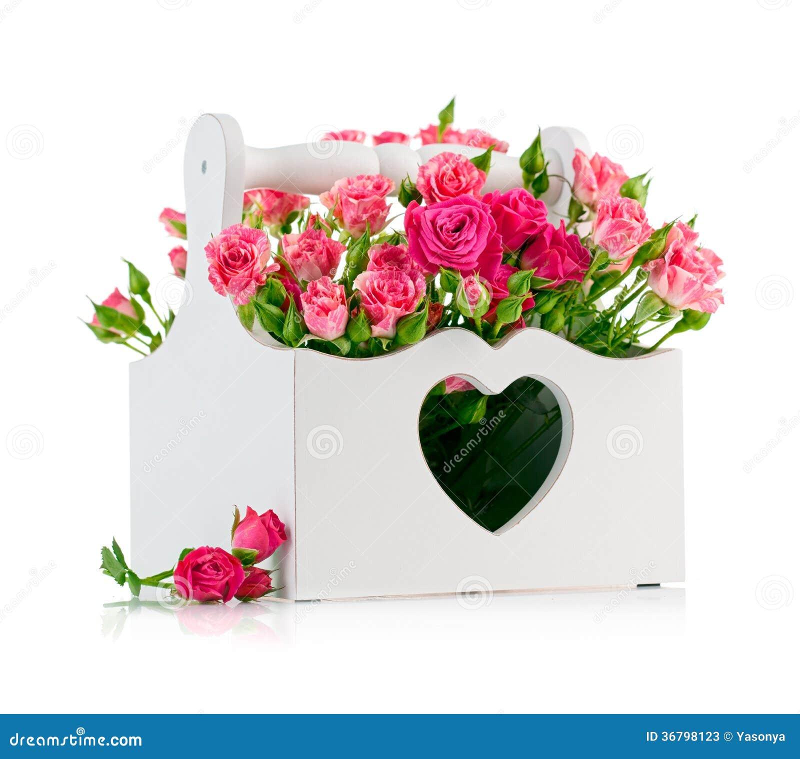 Zaktualizowano Bukiet Różowe Róże W Drewnianym Koszu Obraz Stock - Obraz złożonej FR85