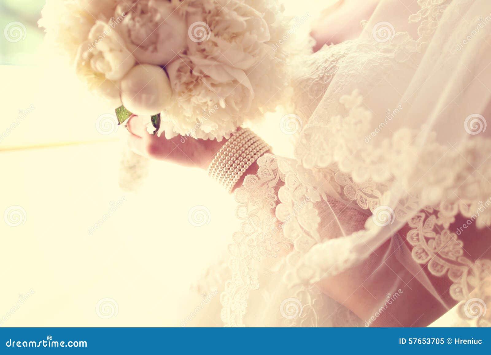 Bukieta panny młodej mienia ślubu biel