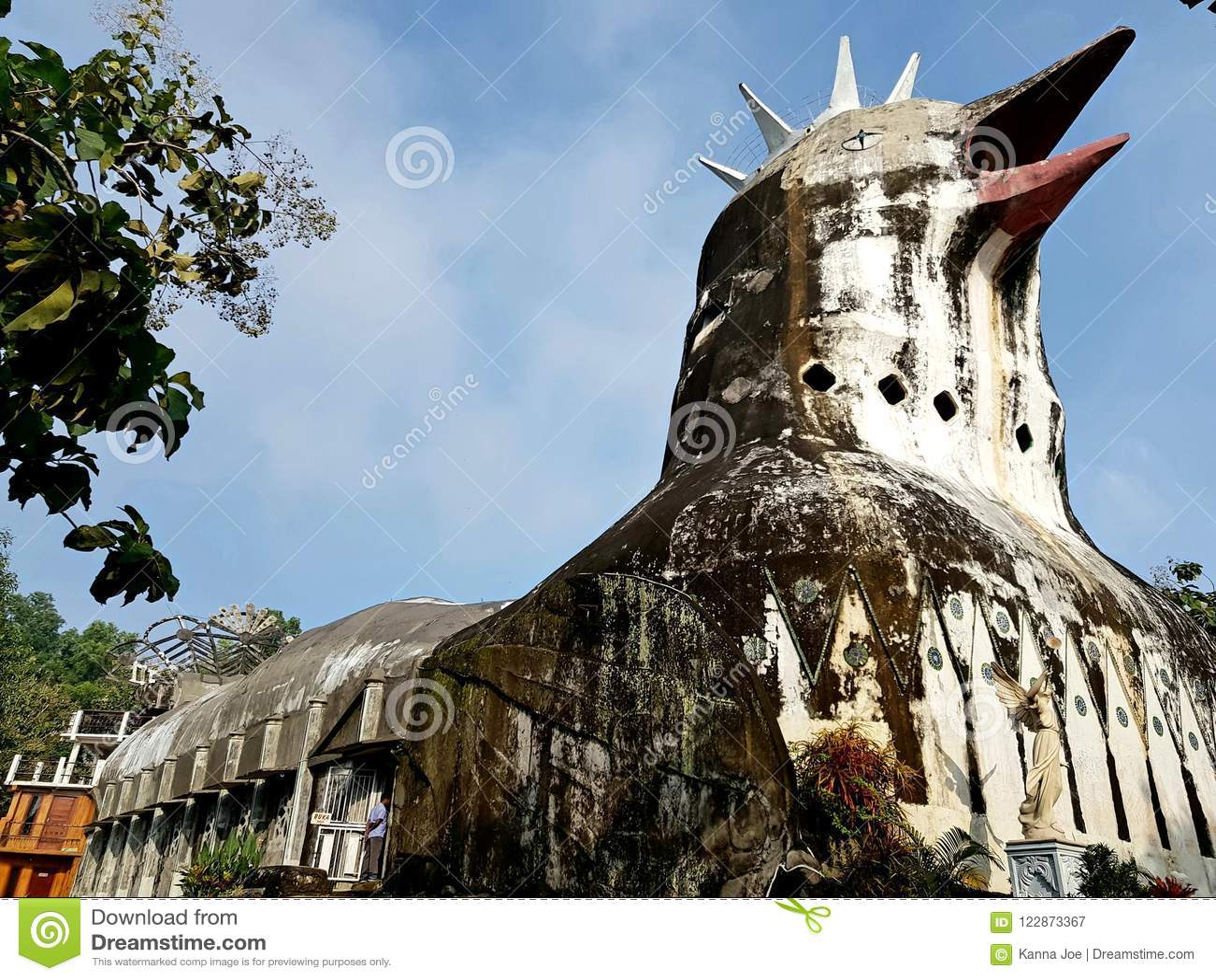 Bukit Rhema ou sabido como a igreja da galinha
