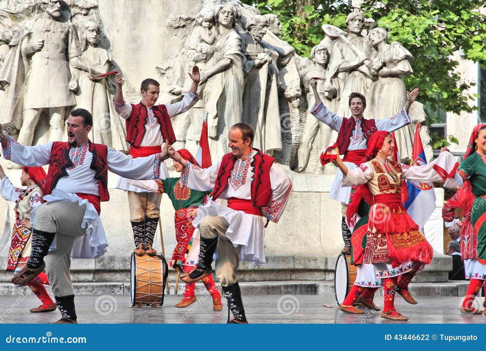 Bulgaarse Cultuur In Hongarije Redactionele Fotografie