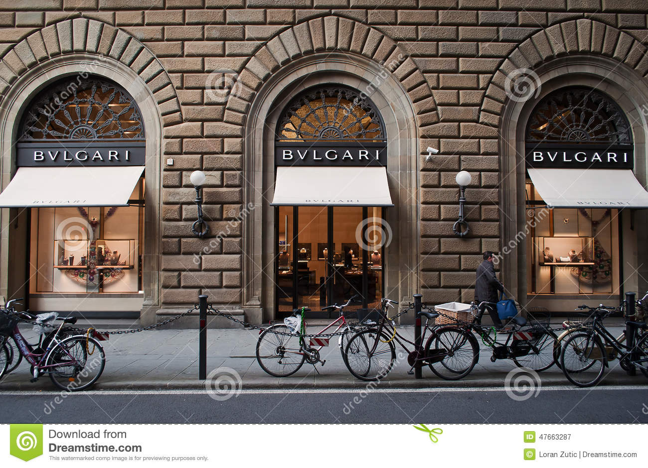 Bulgari store in florence editorial photography image of for Dream store firenze