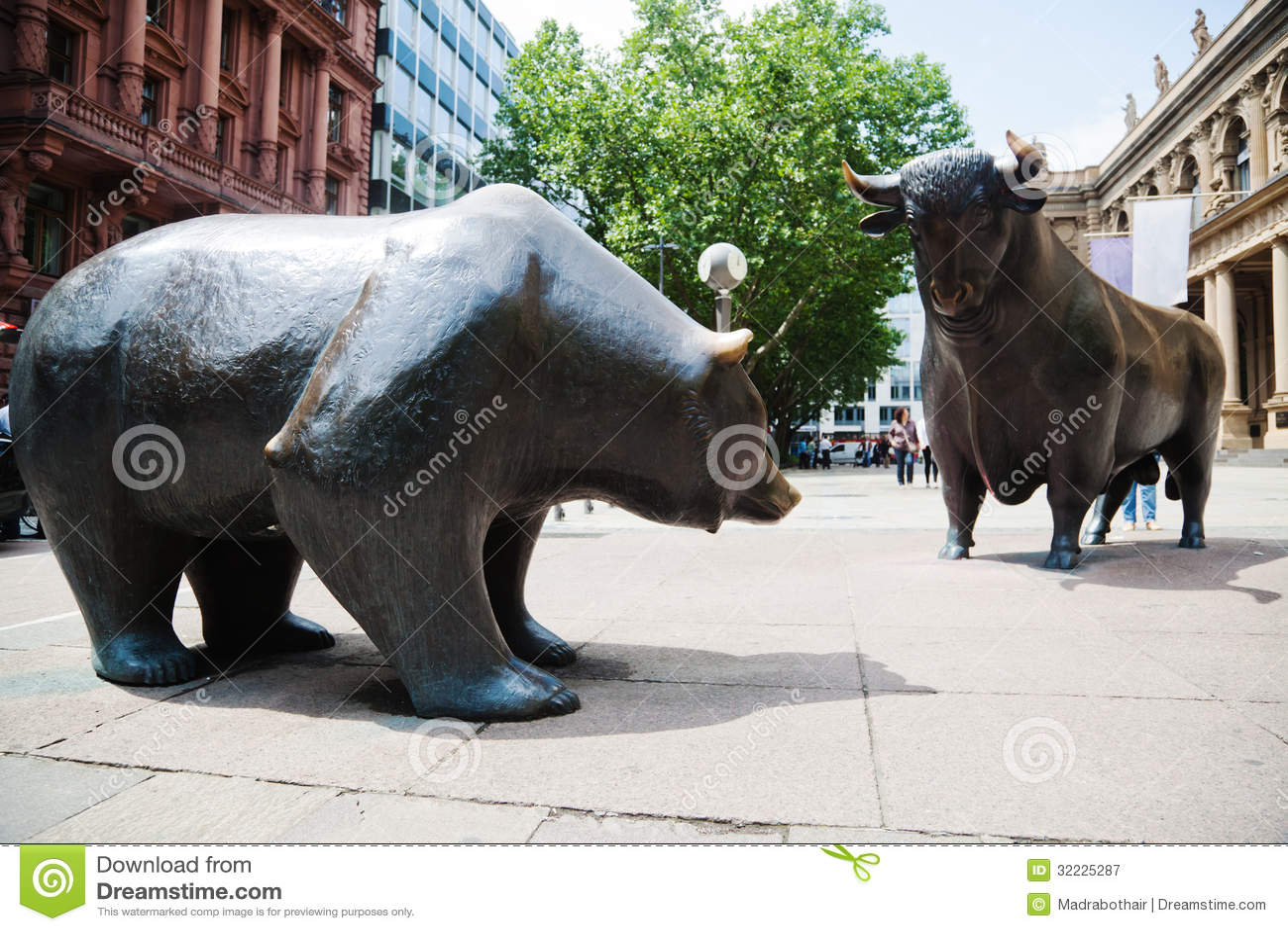 Bull And Bear Royalty Free Stock Photography Image 32225287