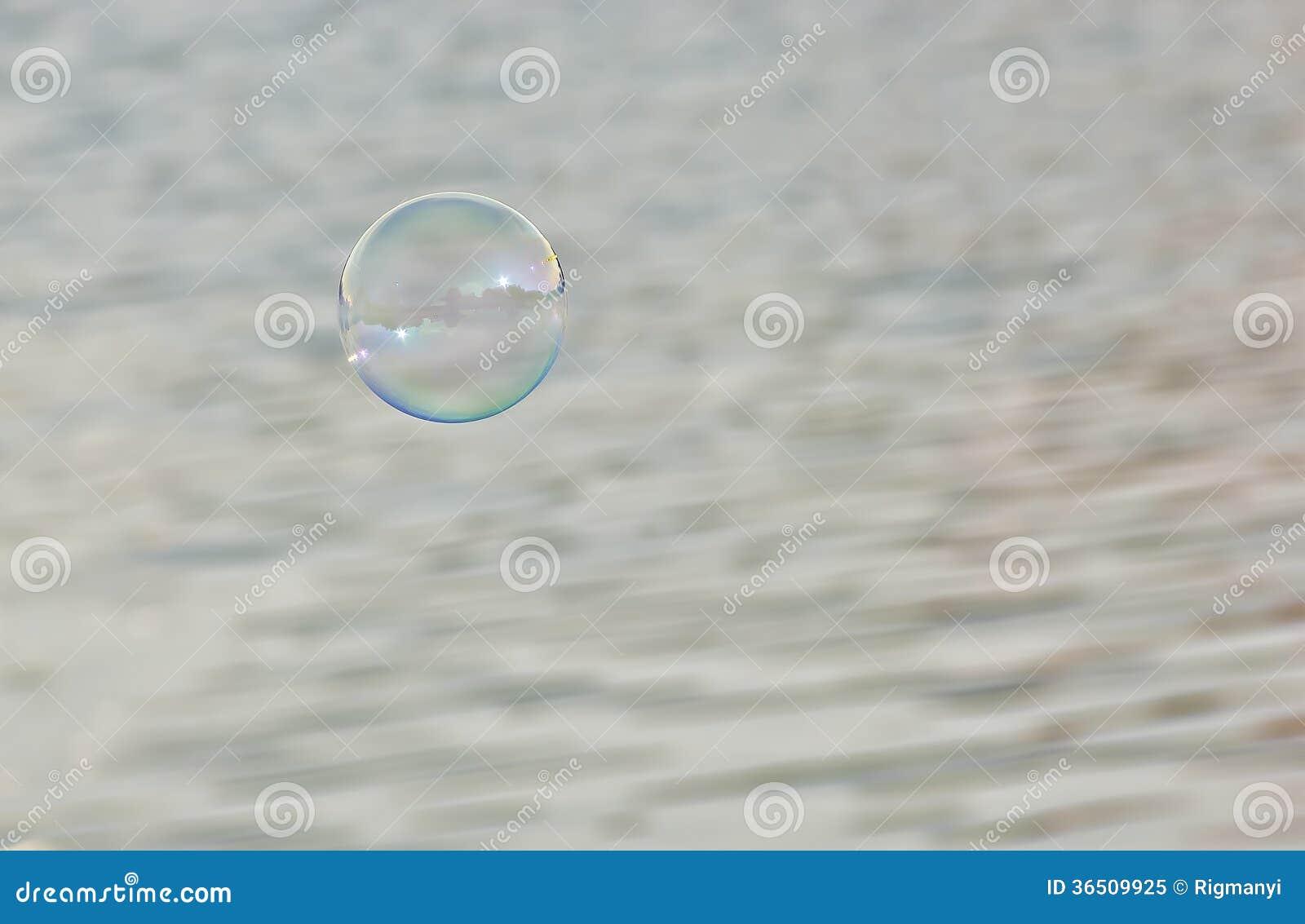 Bulle de savon dans le ciel