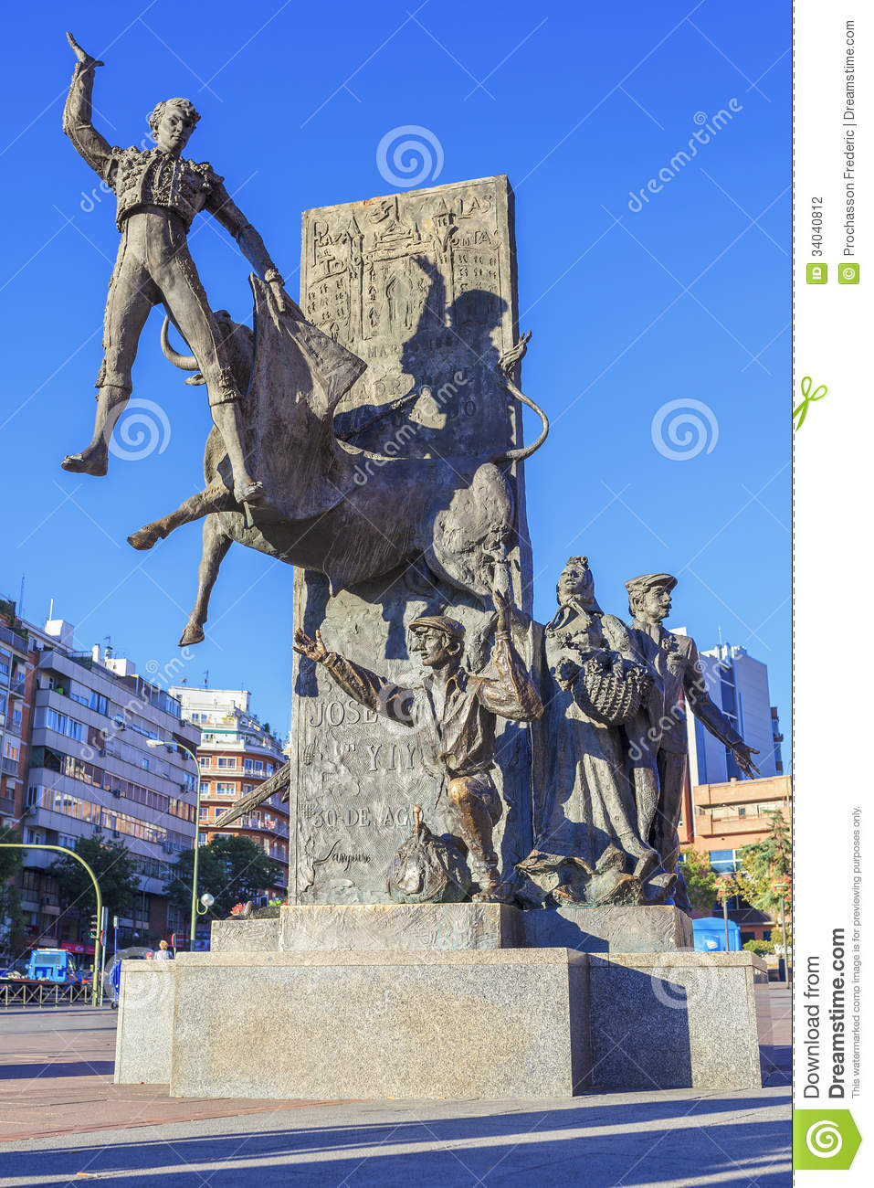 Bullfighter Sculpture In Front Of Bullfighting Stock Photography - Image: 340...