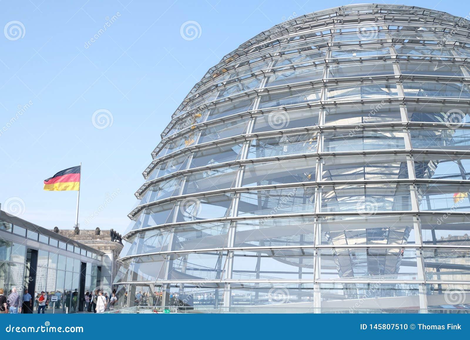 Bundestag het Dak van de Glaskoepel met Hemel