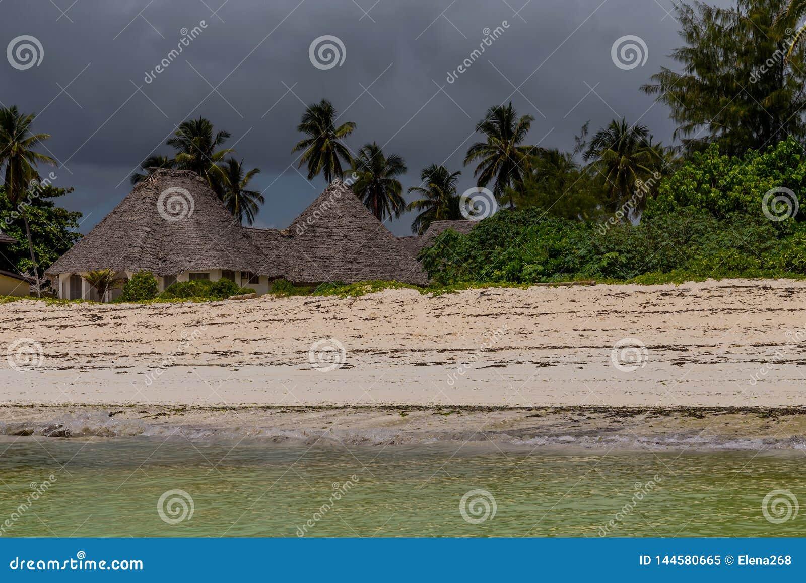 Bungalowwen op het afrikan strand