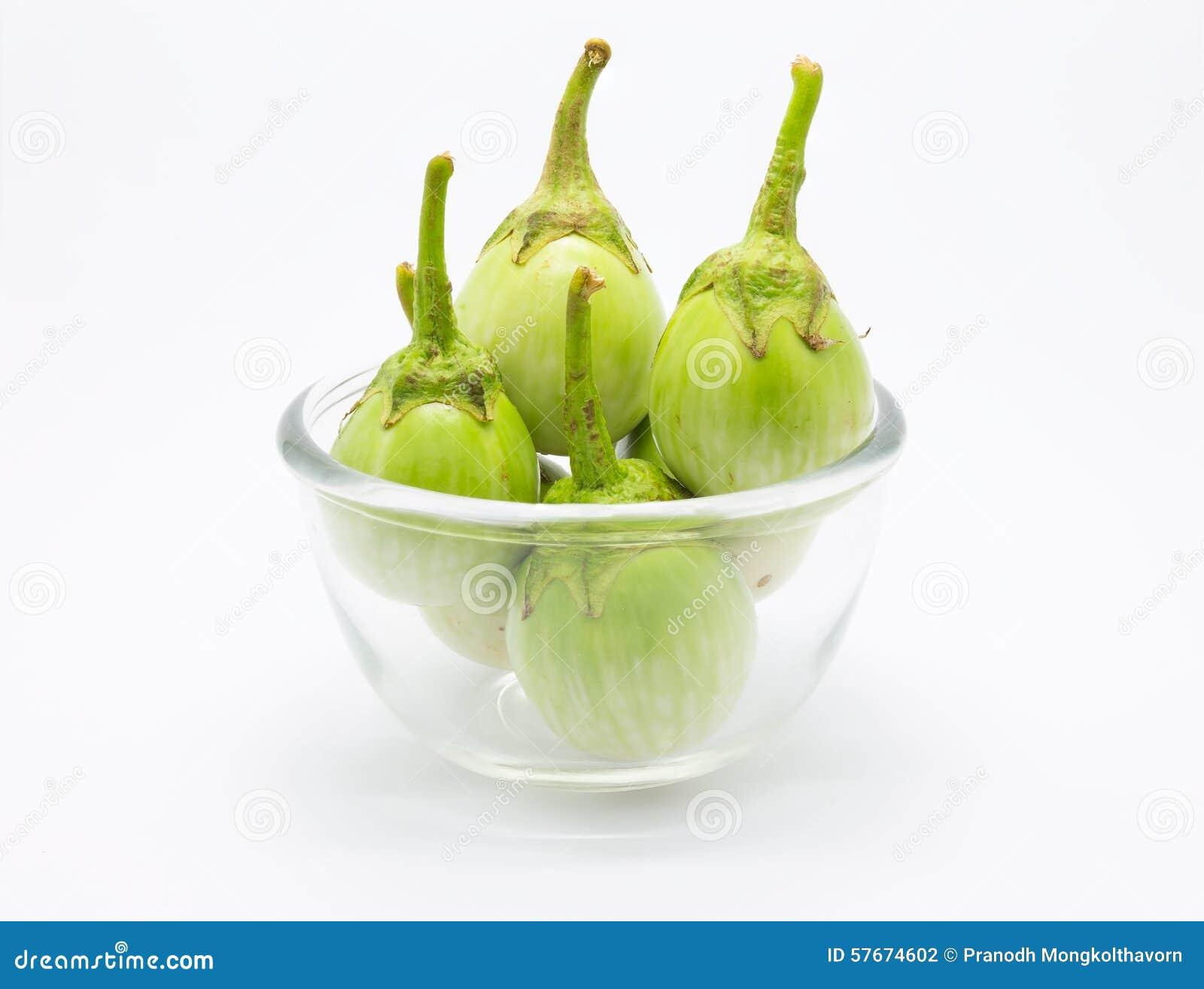 Bunke av grön aubergine