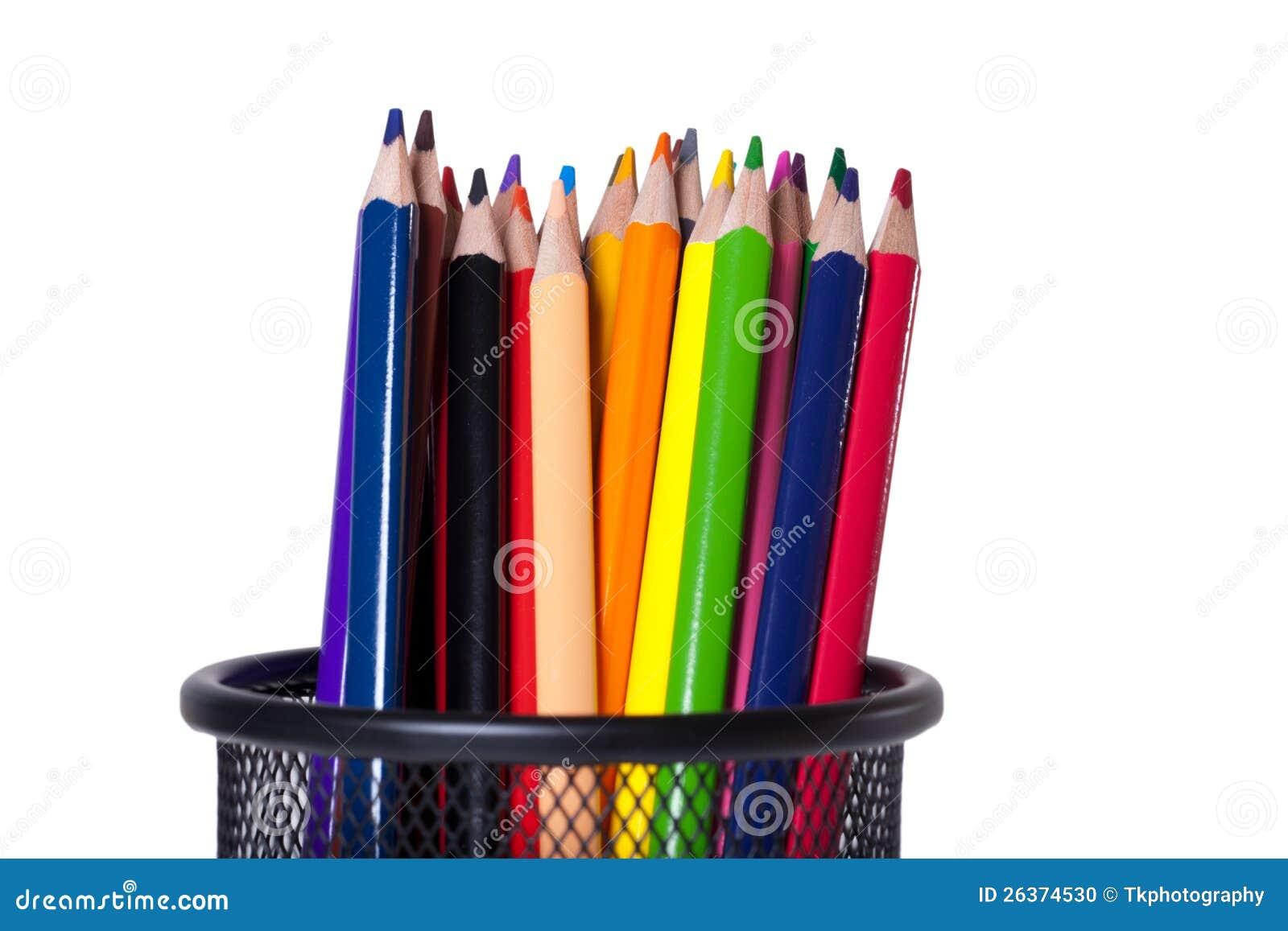 Bunte Bleistifte in einer Federhalterung