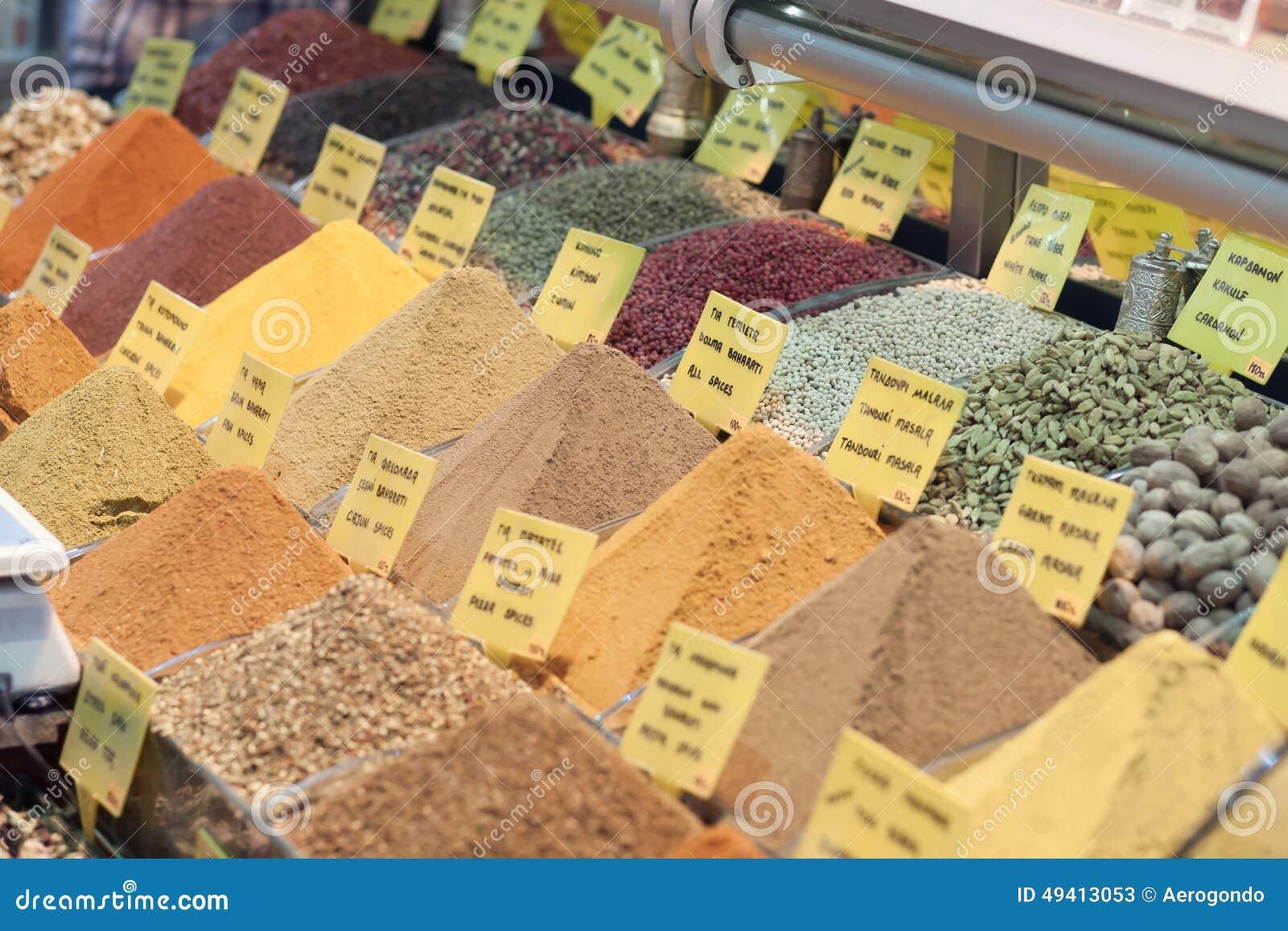 Download Bunte Gewürze Auf Marktstand Stockbild - Bild von paprika, kultur: 49413053