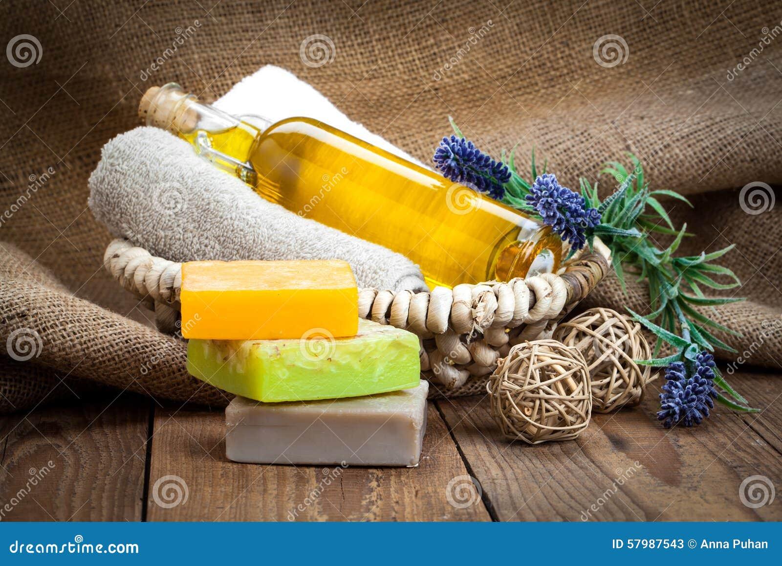 Bunte handgemachte Stück Seifen mit Öl