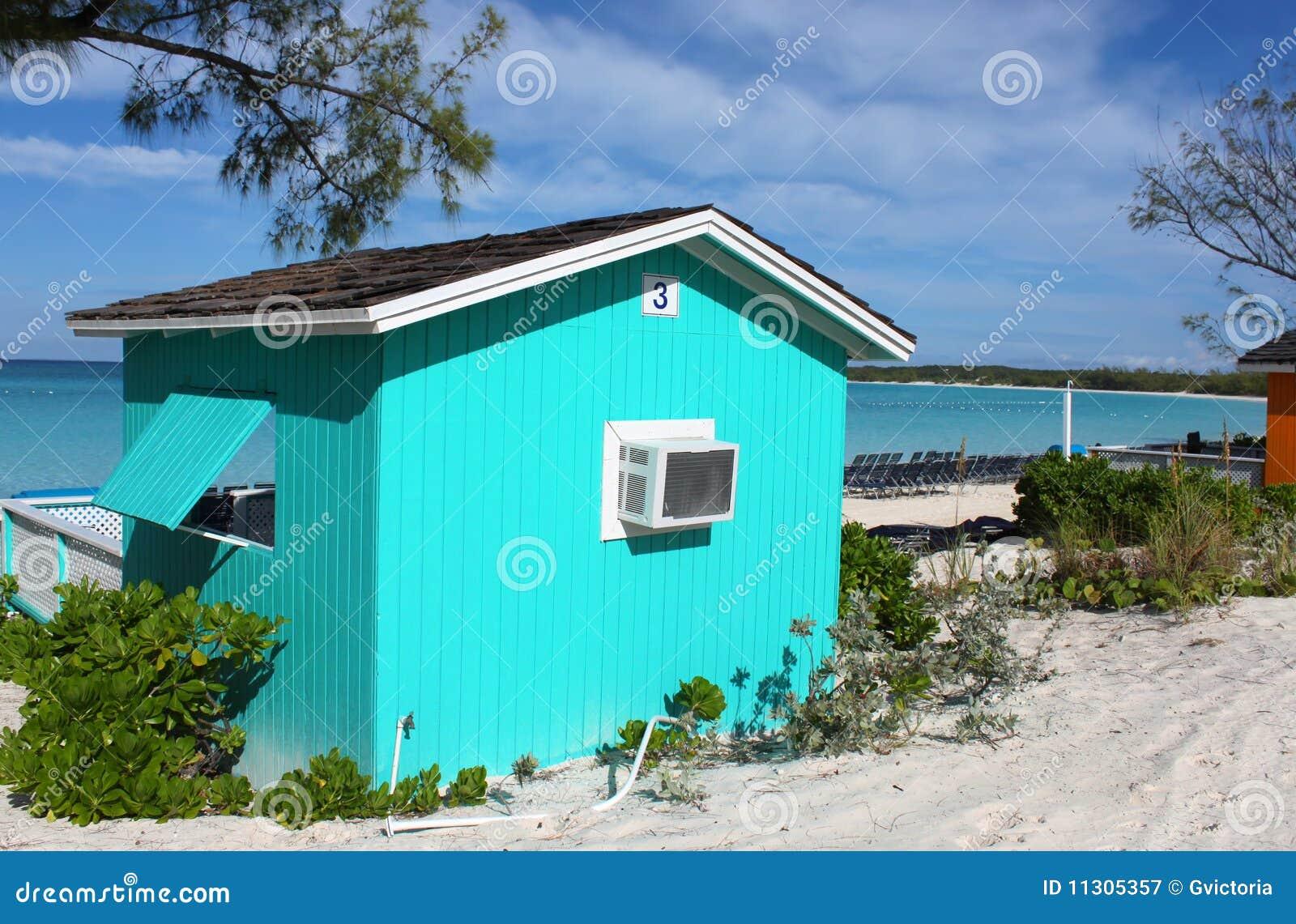 Bunter Cabana auf tropischem Strand