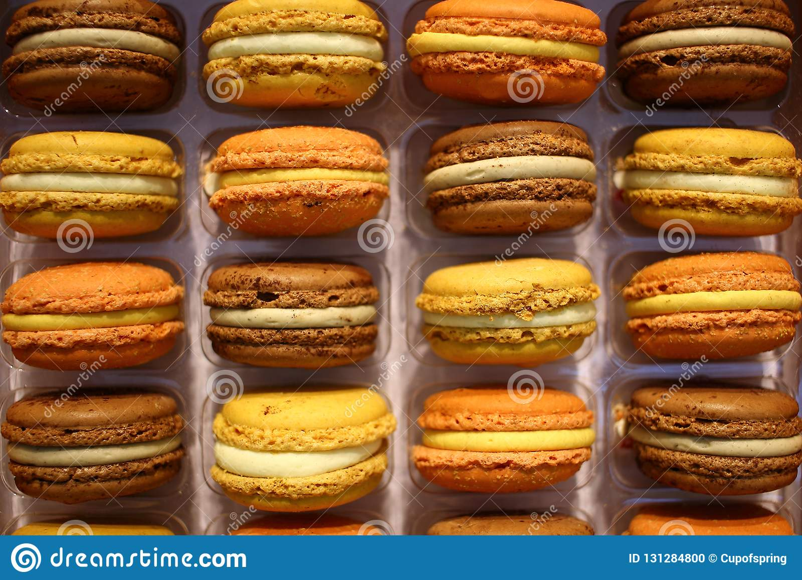 Bunter französischer macarons Hintergrund nah oben