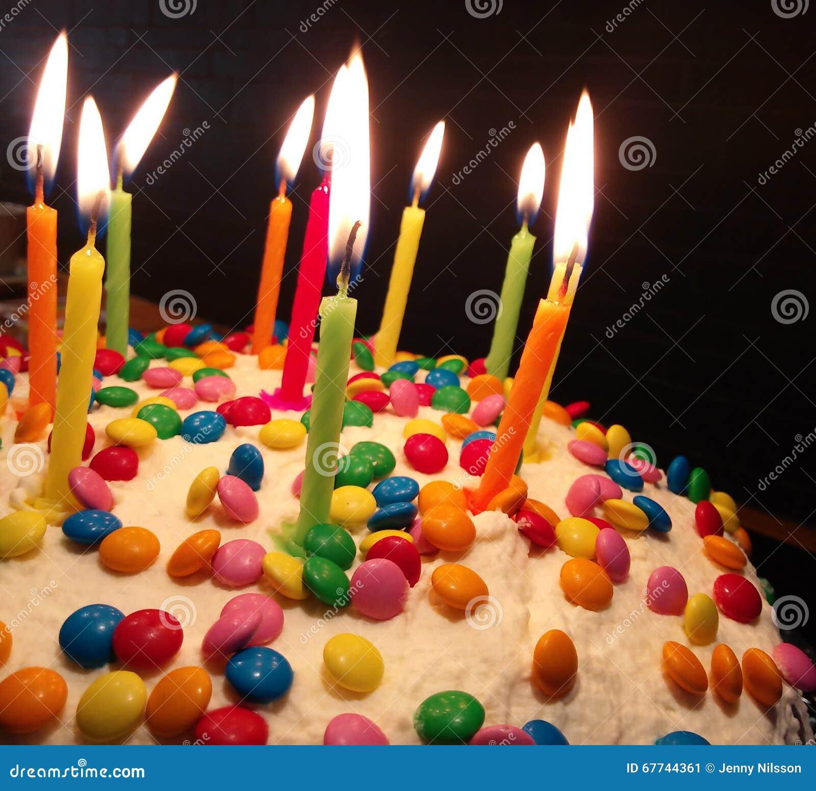 Bunter Geburtstagkuchen