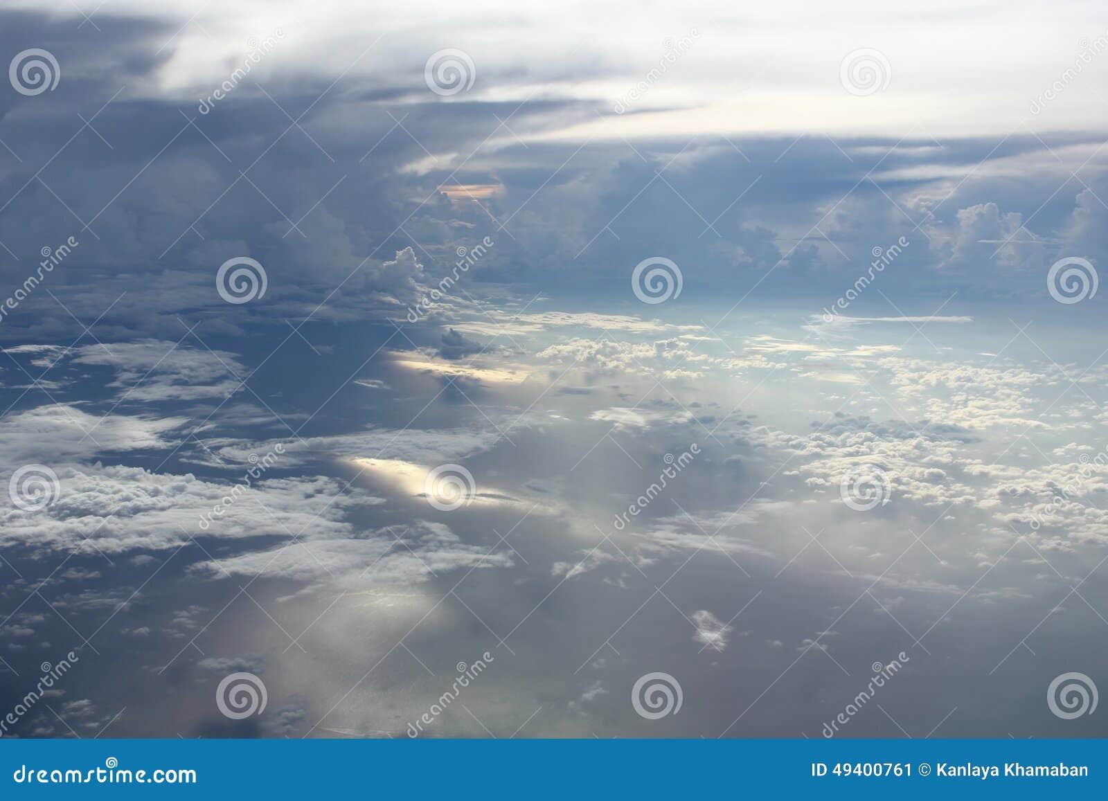 Download Bunter Himmel über Den Wolken Stockbild - Bild von outdoor, panorama: 49400761