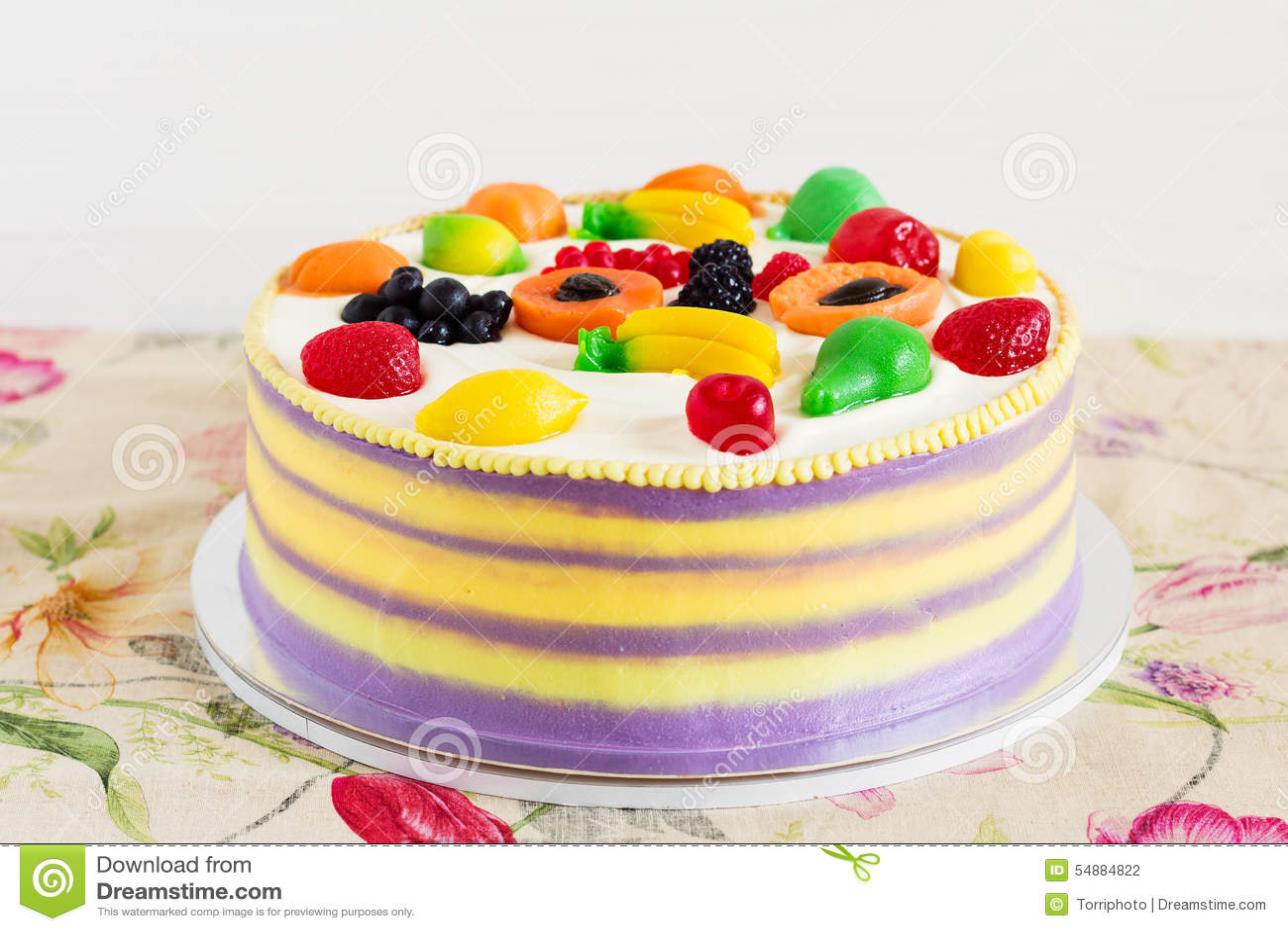 Bunter Kuchen Mit Fruchtgelee Fur Kinderpartei Stockfoto Bild Von