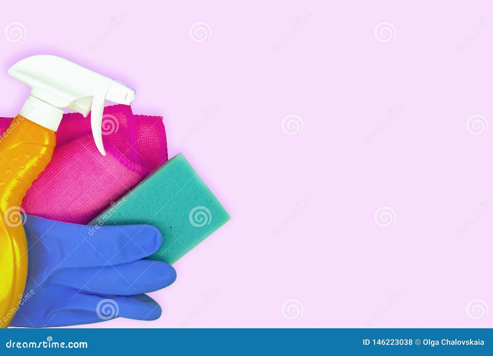 Bunter Reinigungssatz f?r verschiedene Oberfl?chen in der K?che, im Badezimmer und in anderen R?umen
