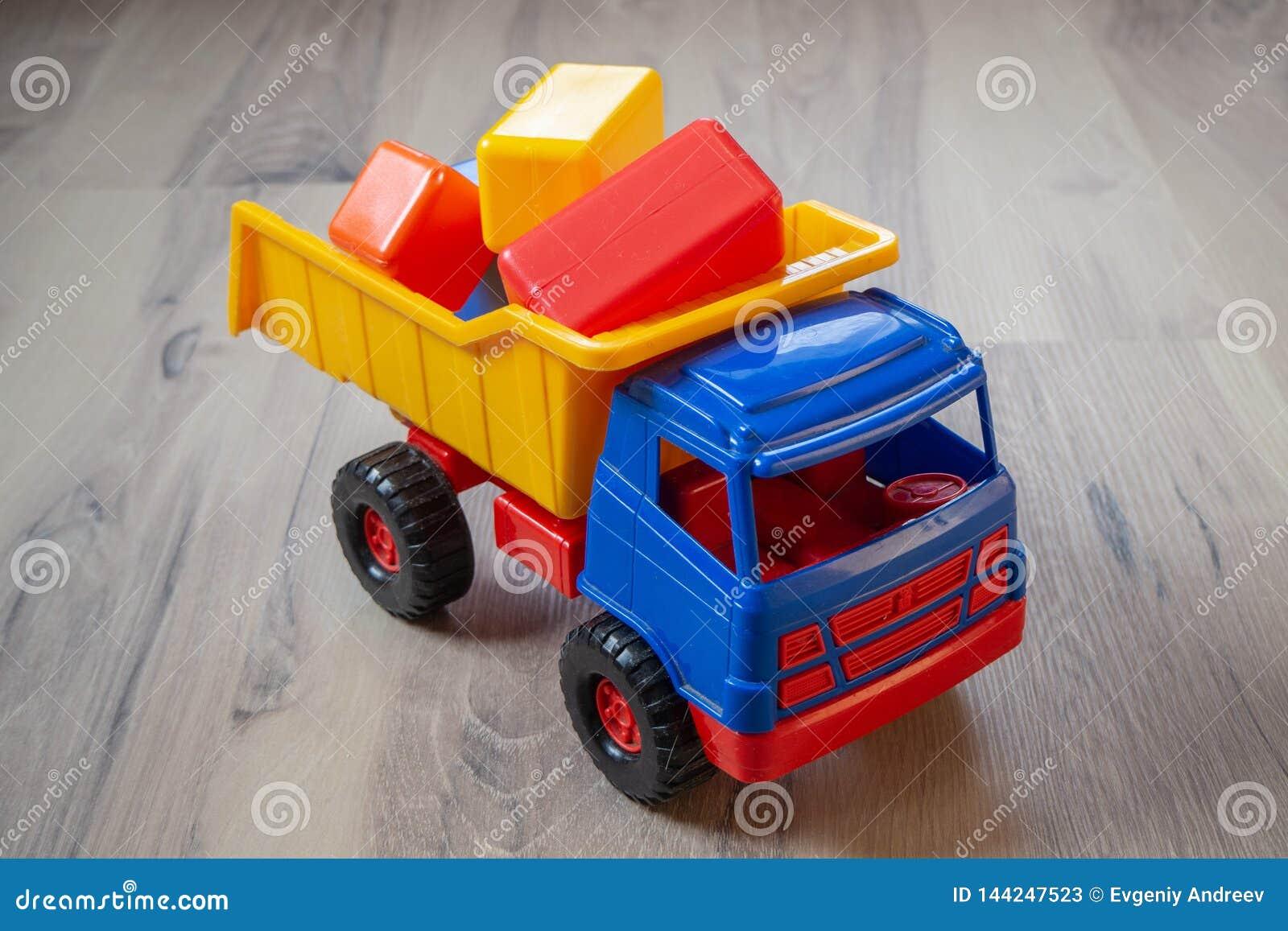 Bunter Spielzeug-LKW