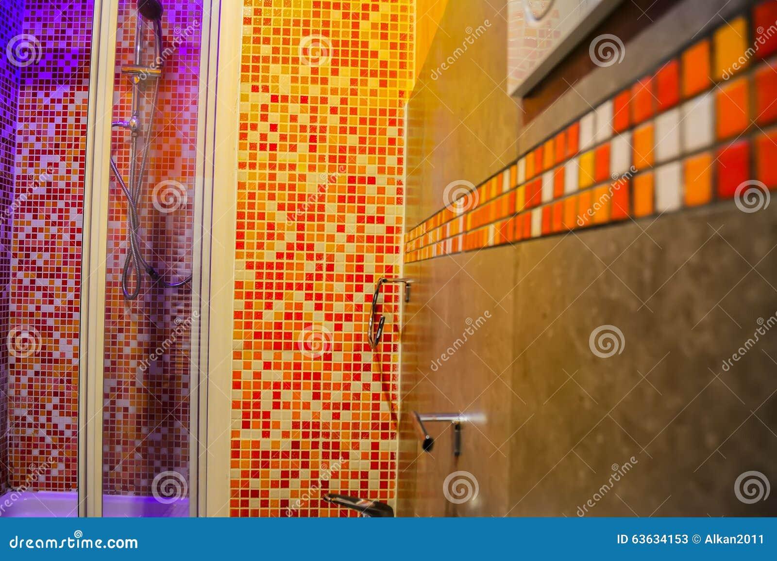 Buntes badezimmer mit mosaik stock images 36 photos - Mosaik im badezimmer ...