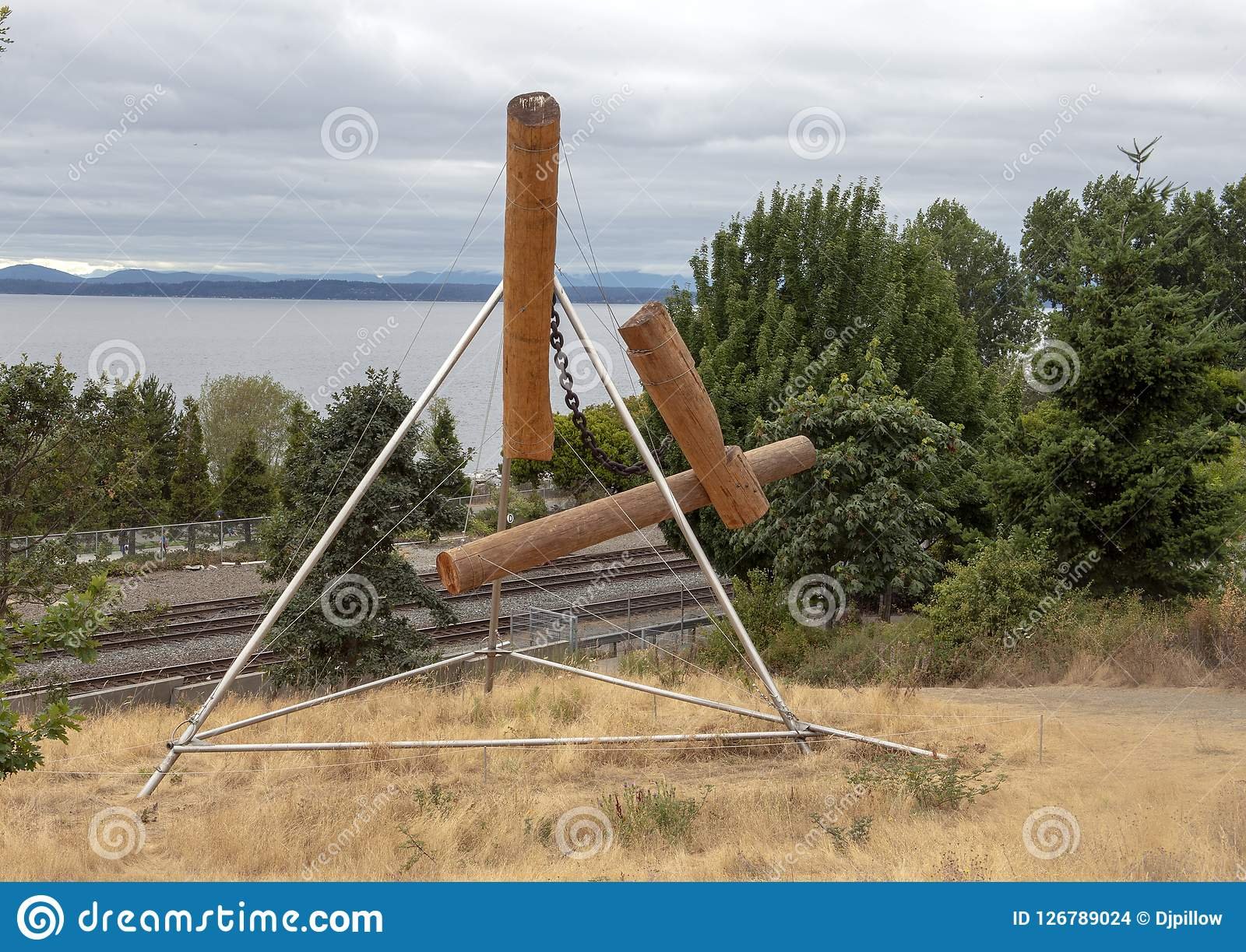 ` Bunyon-` s Schach ` durch Mark di Suvero, olympischer Sculptue-Park, Seattle, Washington, Vereinigte Staaten