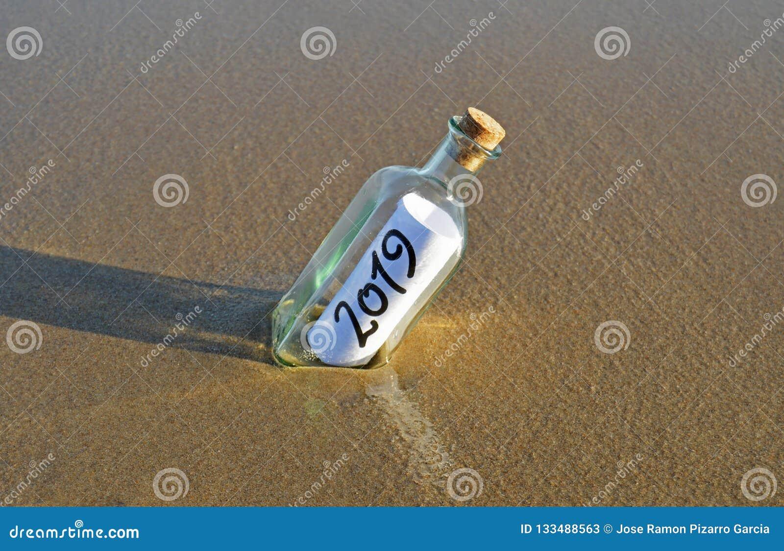 Buon anno 2019, messaggio in una bottiglia