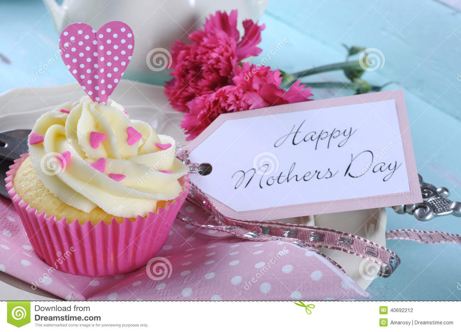 Buona Festa della Mamma vassoio elegante misero d annata blu dell acqua retro con la fine rosa del bigné su