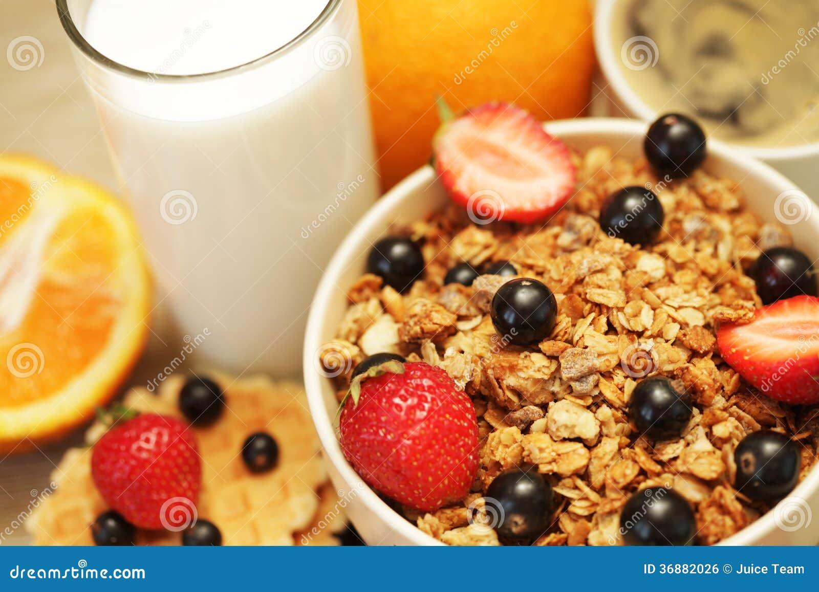 Download Buona prima colazione fotografia stock. Immagine di nero - 36882026