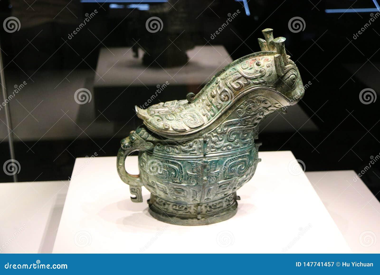 Buque de bronce chino antiguo del vino