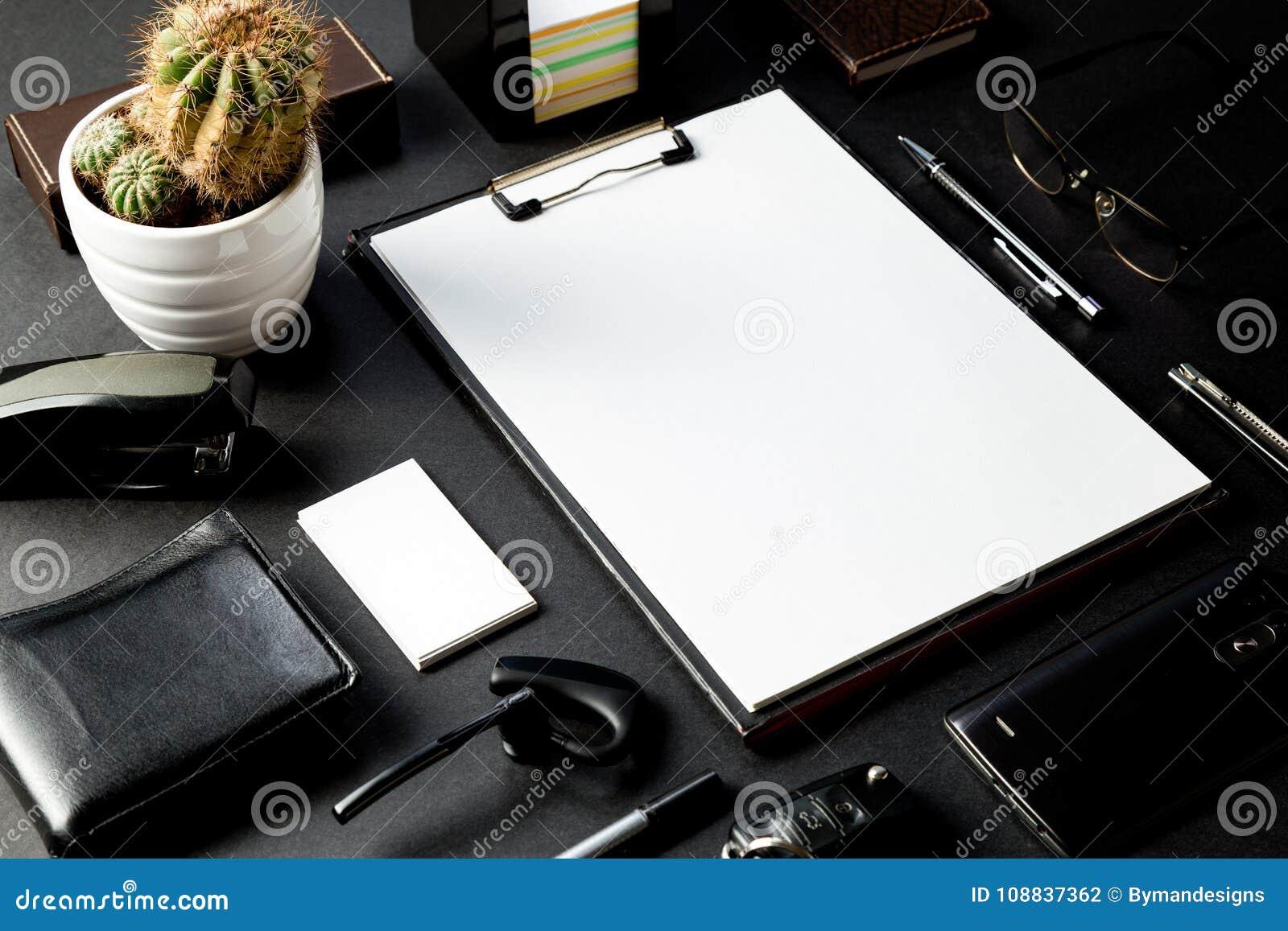 Bureau Avec La Maquette De Carte Visite Professionnelle D Critures Et
