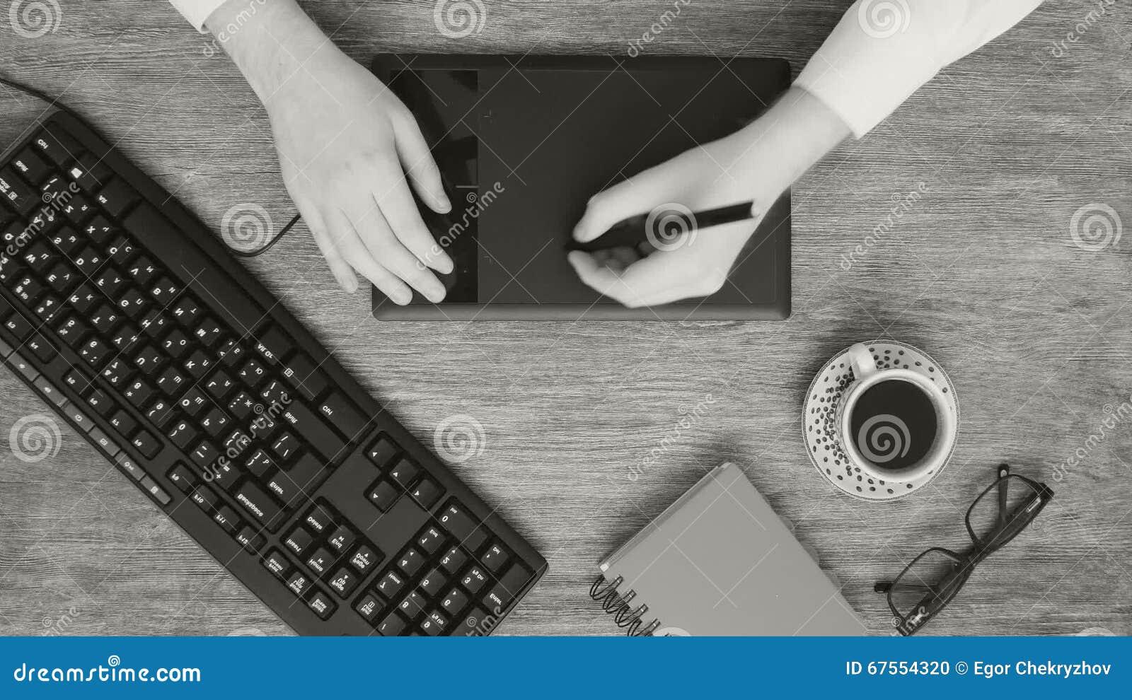 Bureau créatif professionnel de concepteur en noir et blanc banque