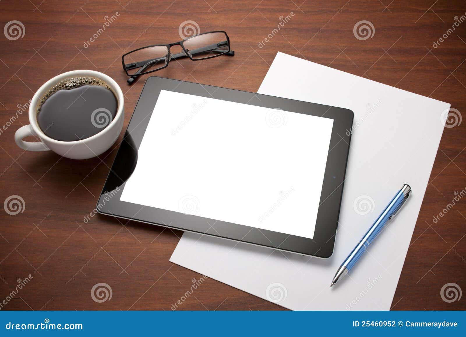 Bureau de lieu de travail de tablette d 39 ipad photographie stock image 25460952 for Photos gratuites travail bureau