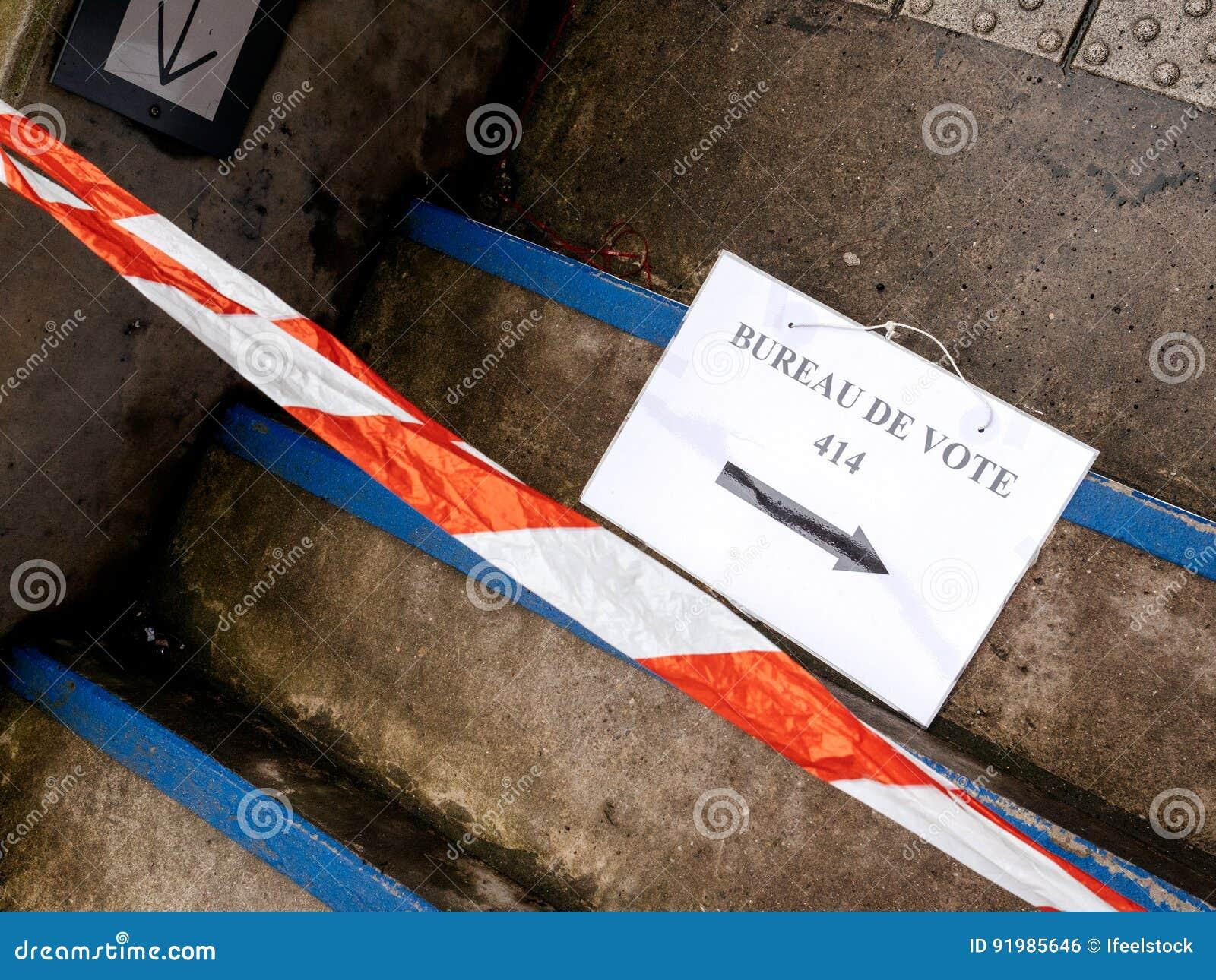 Ouverture des bureaux de vote pour les élections communales et