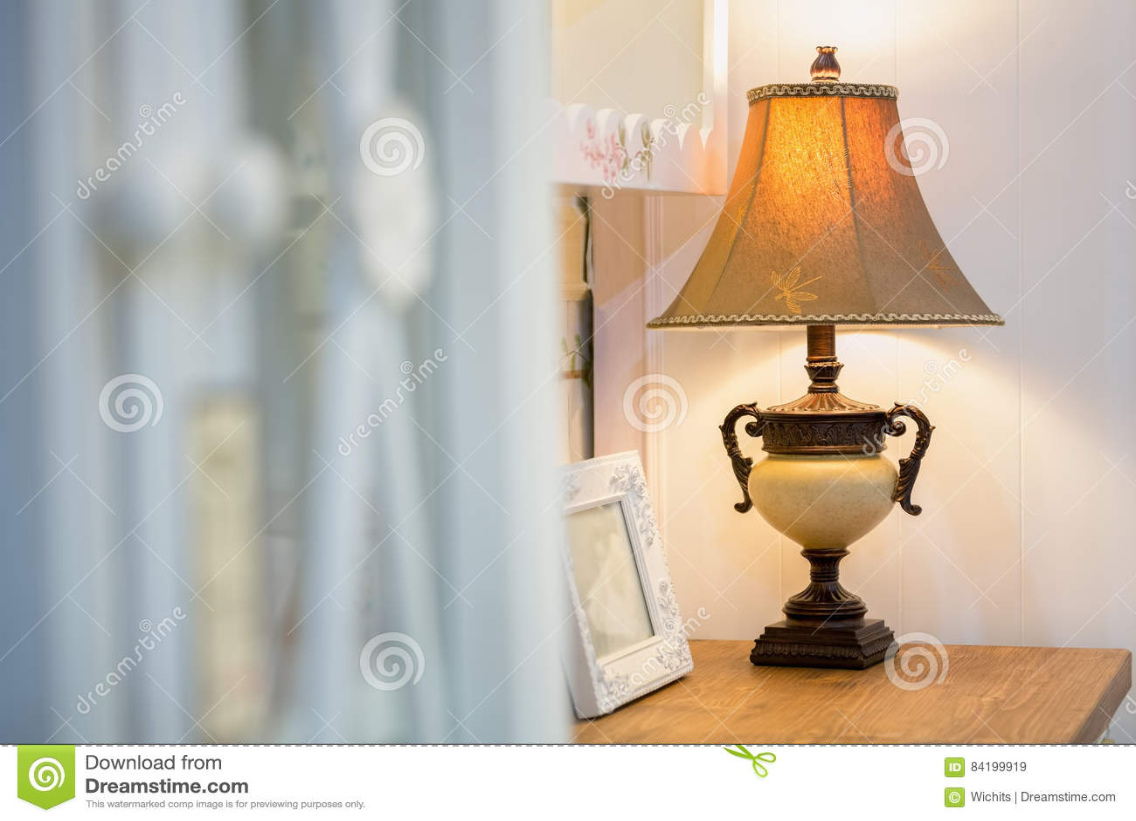 Bureau lamp image stock. image du appareils anglais 84199919