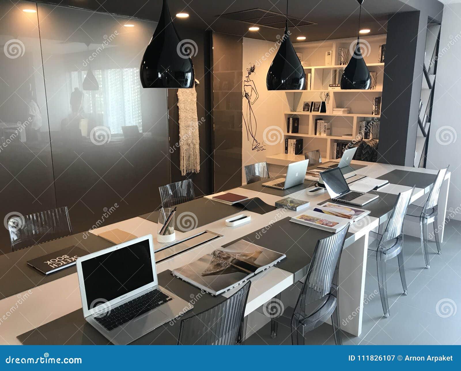 Bureau moderne intérieur de conception photographie éditorial