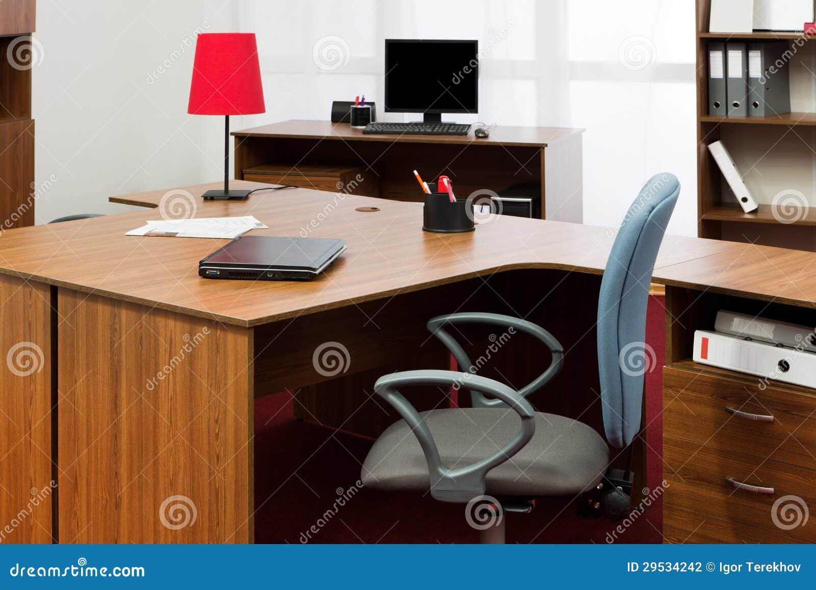Bureau op modern kantoor stock fotografie afbeelding 29534242 - Moderne kantoorbureaus ...