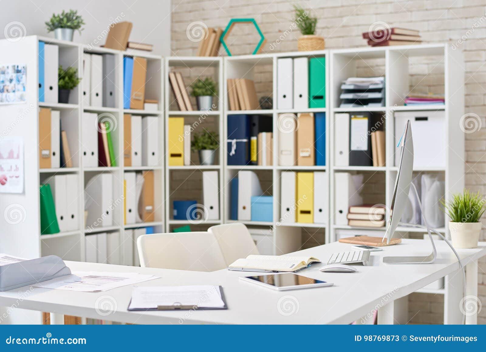 Bureau ouvert moderne de plan image stock image du notes bureau